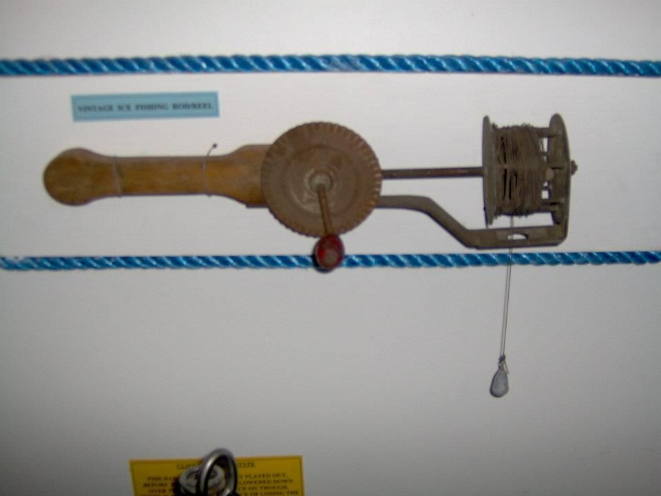 Ice fishing rig vintage fishing reels pinterest for Ice fishing rigs