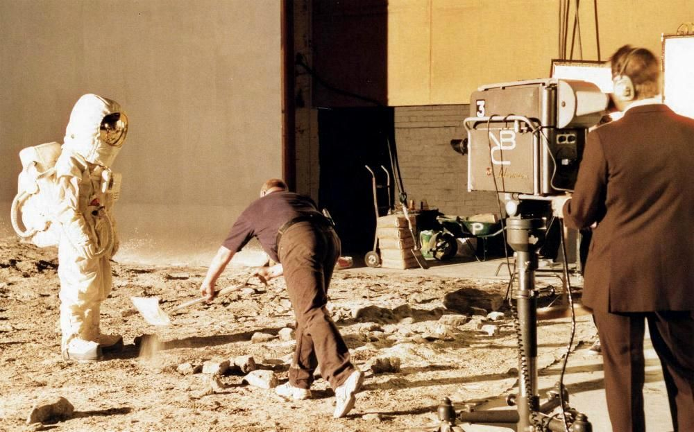 moon landing hoax studio - photo #4