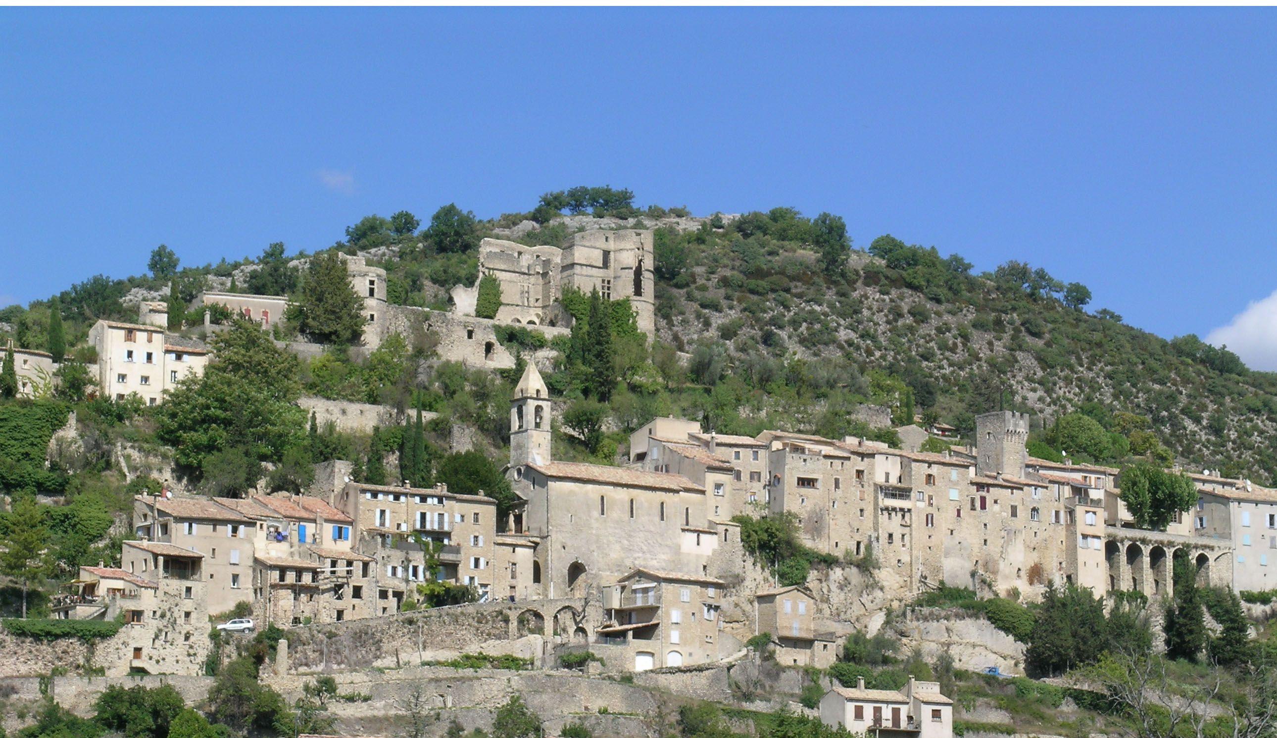 Montbrun les bains dr me les plus beaux villages de for Les bains en france