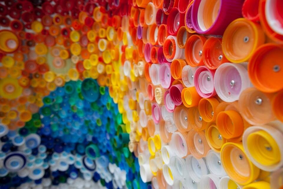 Bottle cap mural collaborative art projects pinterest for Bottle cap mural