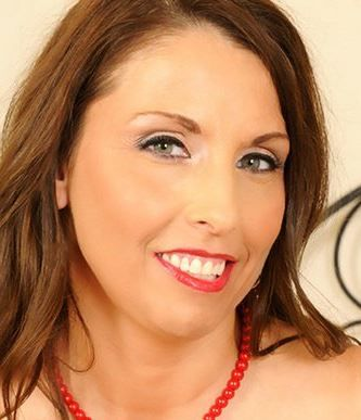 Mature lady Stacie Starr pulls out her big tits and jerks off her stepson № 113992 без смс