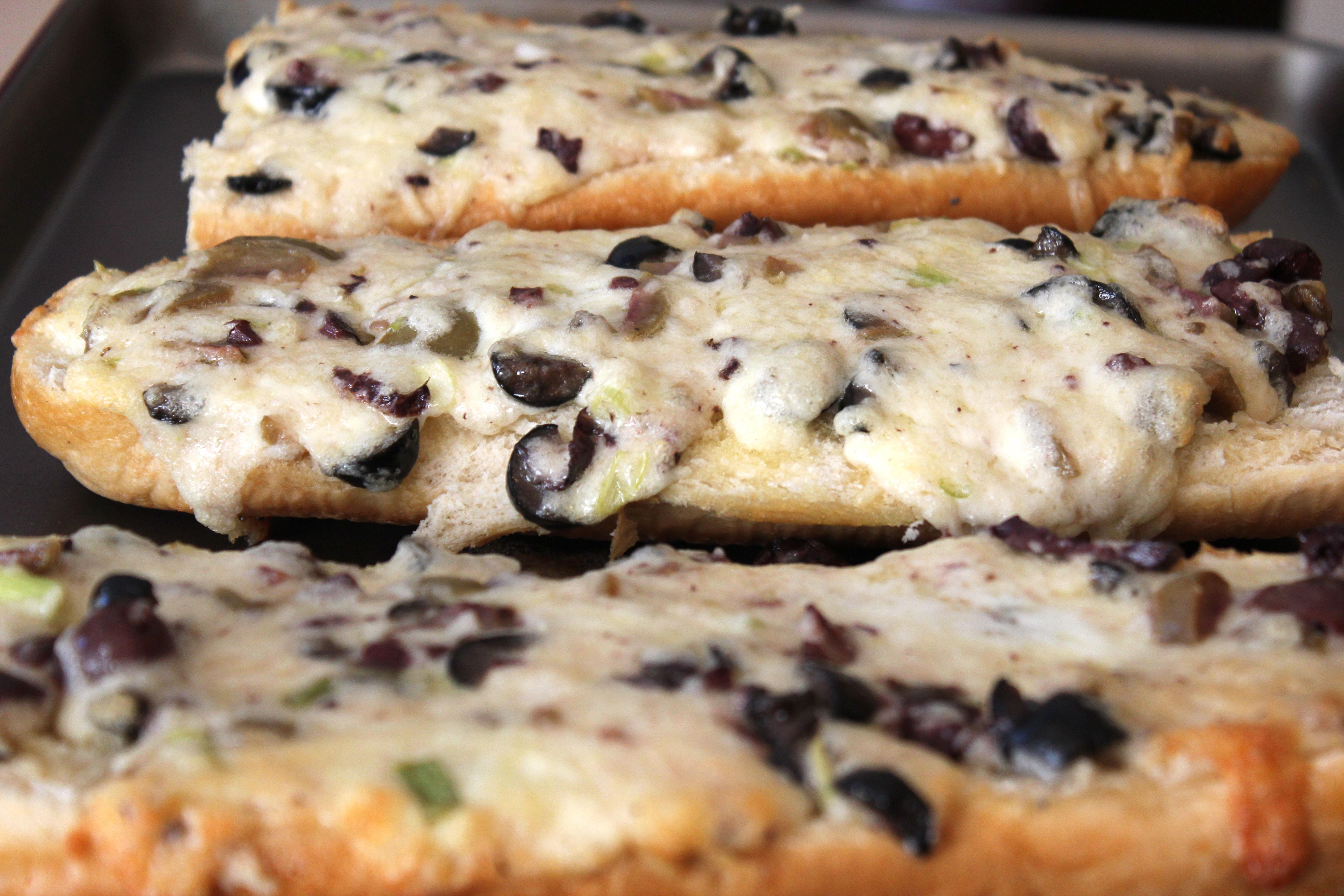 Olive cheese bread--Super Bowl? | The Food | Pinterest