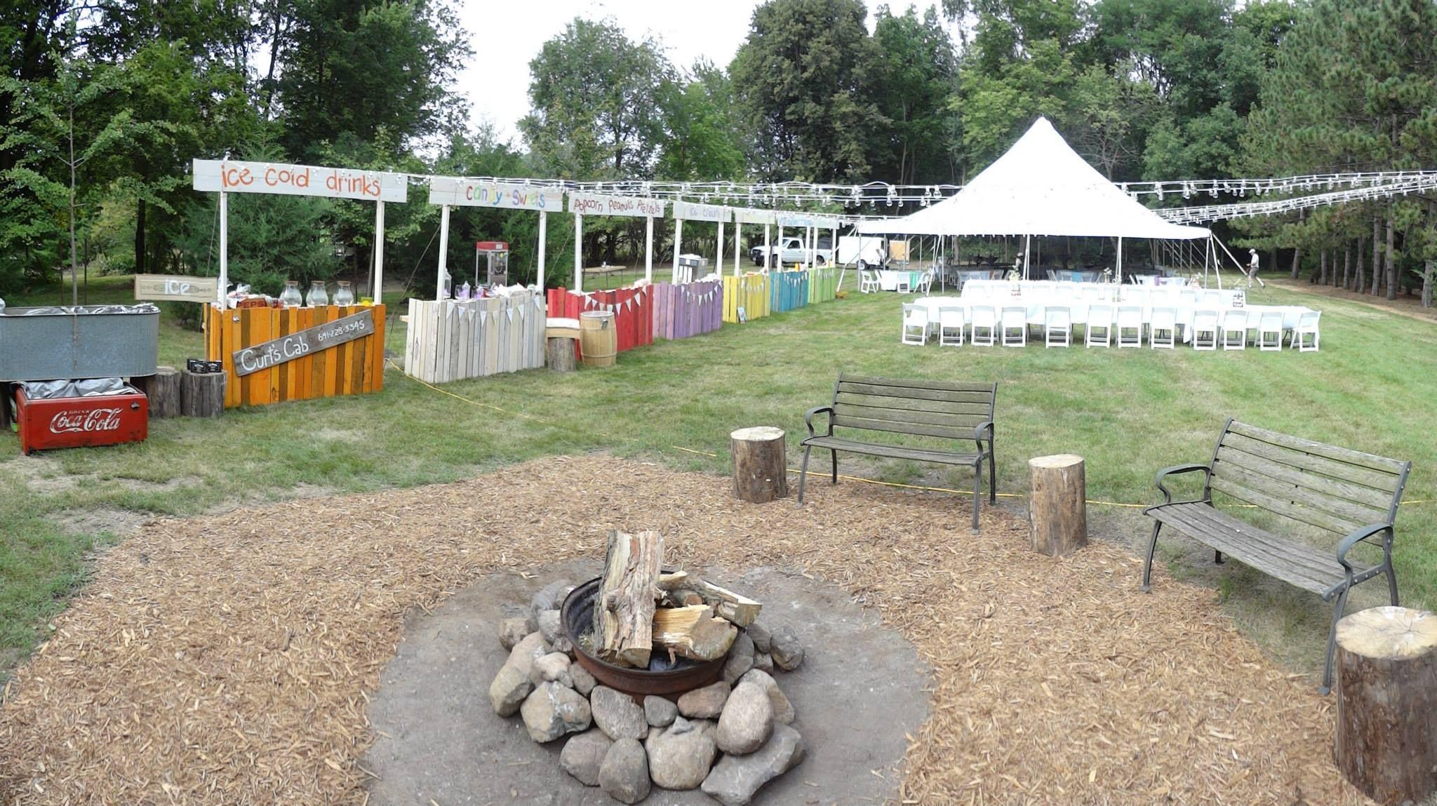 Perfect Backyard Wedding : Perfect Outdoor Wedding )  I Do