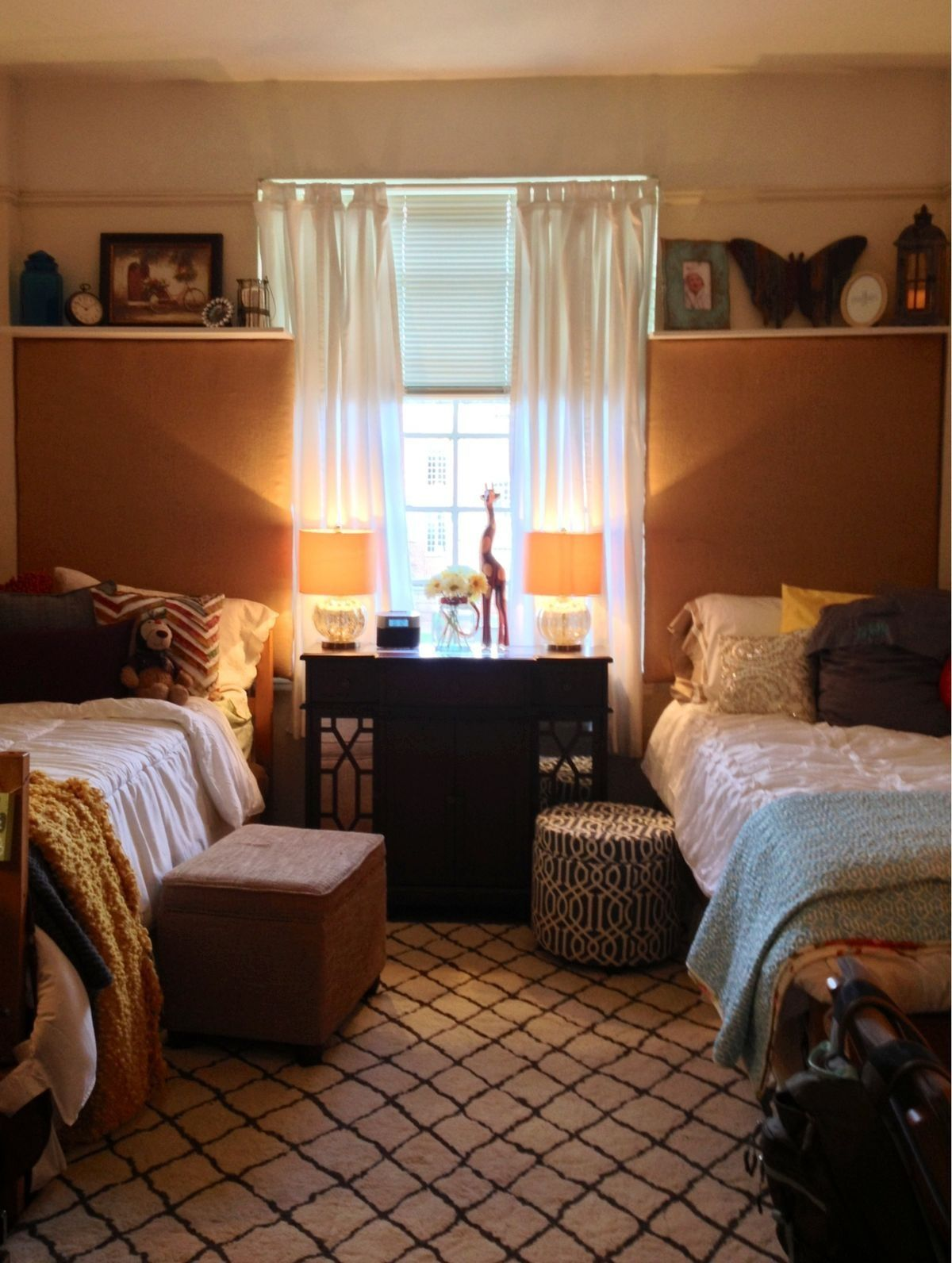 neutral dorm room color scheme for the home pinterest. Black Bedroom Furniture Sets. Home Design Ideas