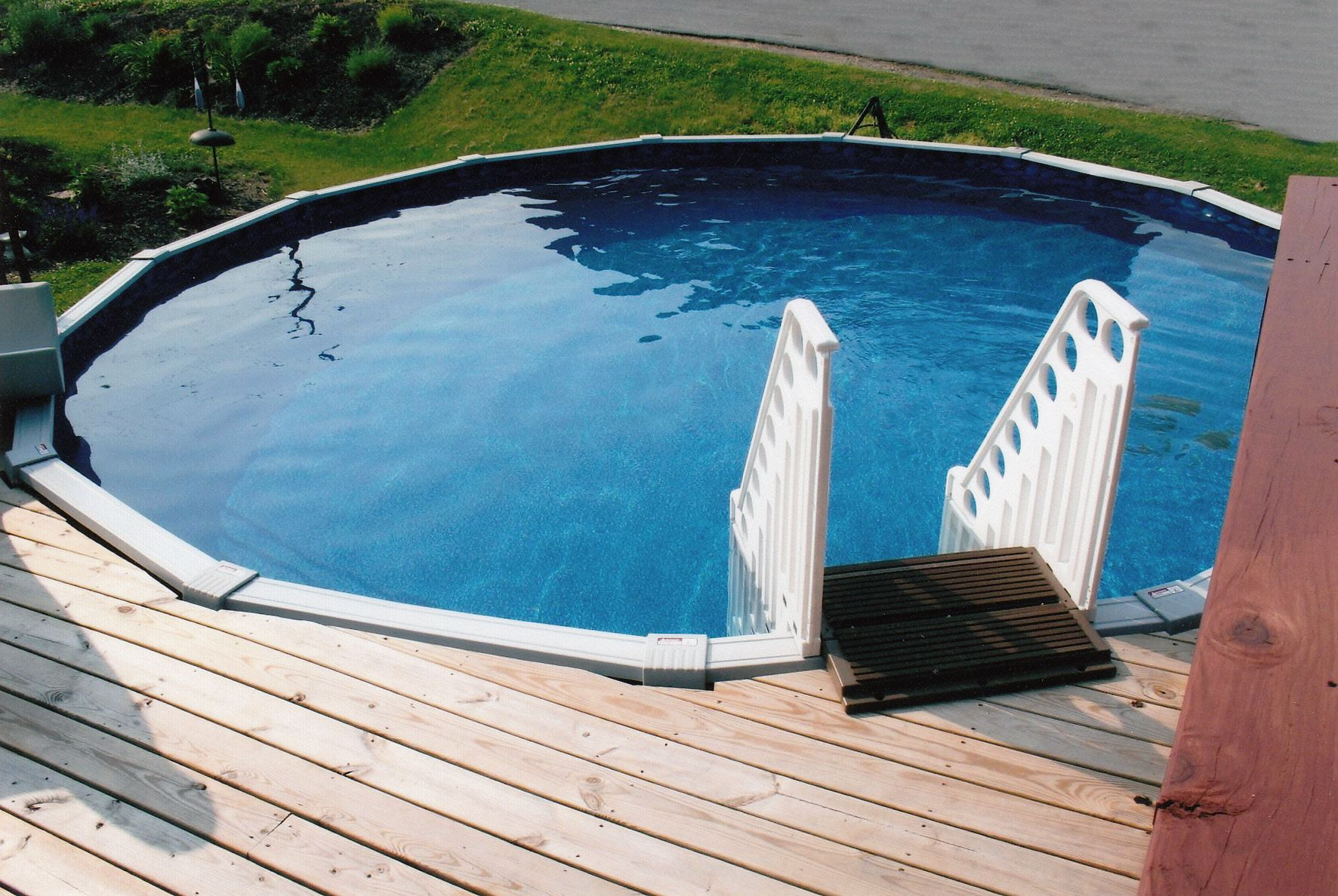Round with deck walk in steps above ground pool portfolio pinte - Above ground pool steps ...