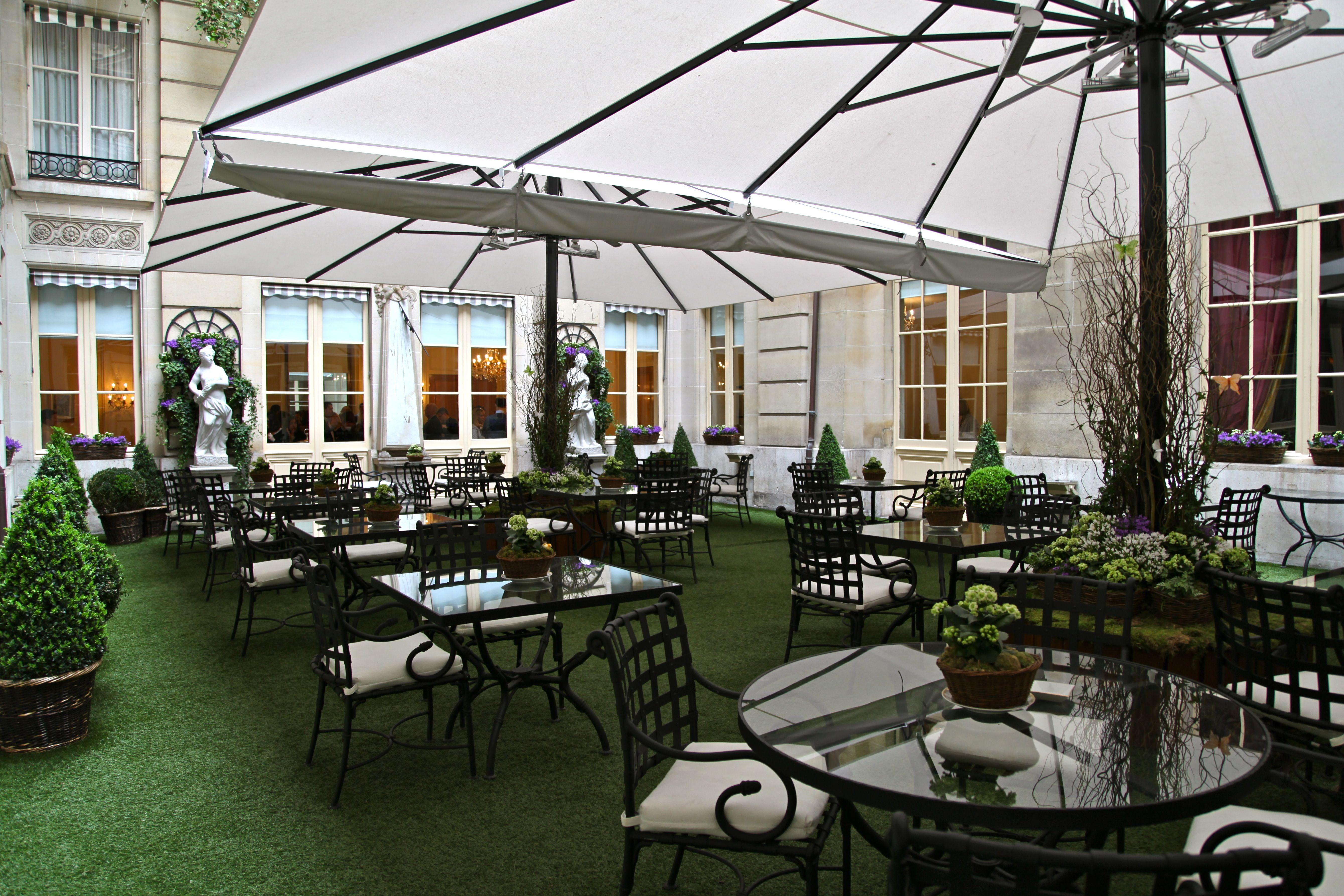 Jardin hotel de crillon paris outdoor furniture for Hotel des jardins paris