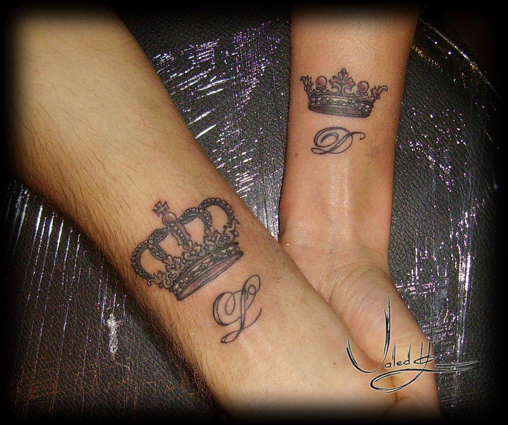 Тату корона на руке