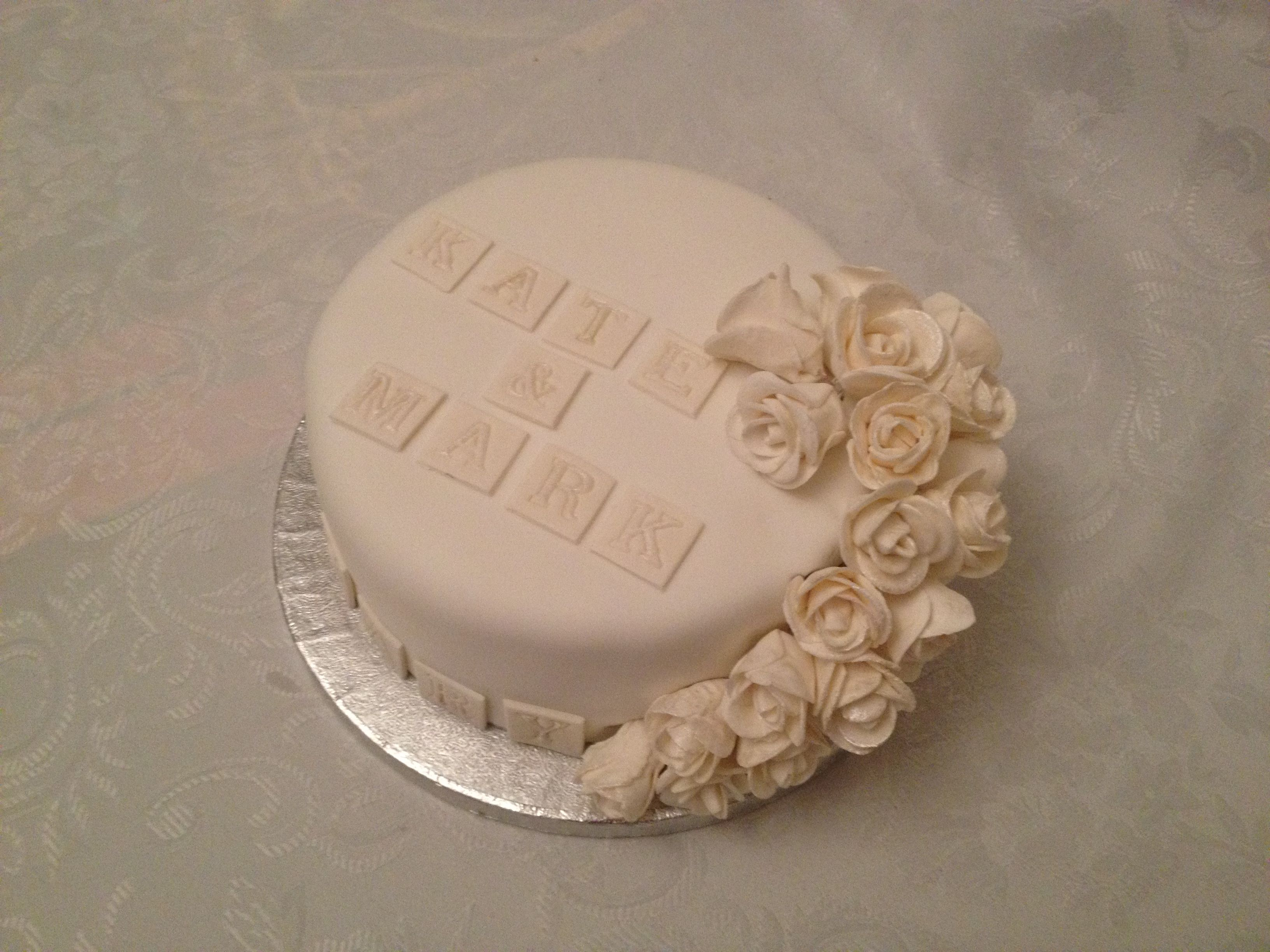 First Marriage Anniversary Cake Images : First wedding anniversary cake view 3 Anniversary cake ...