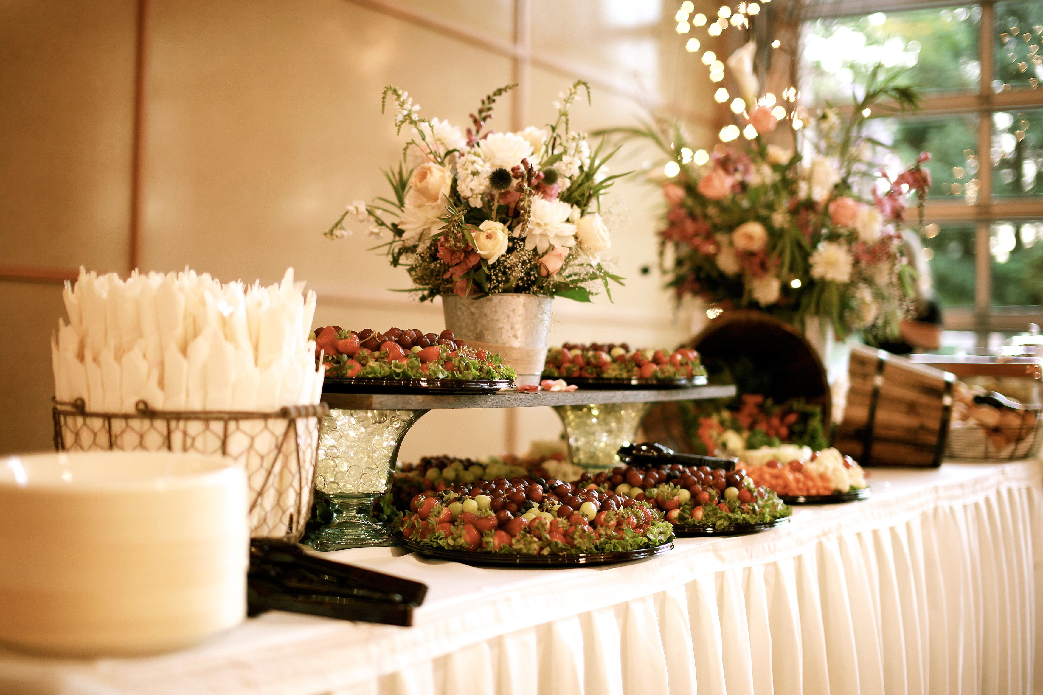Do it yourself reception food the reception pinterest for Best food for wedding reception