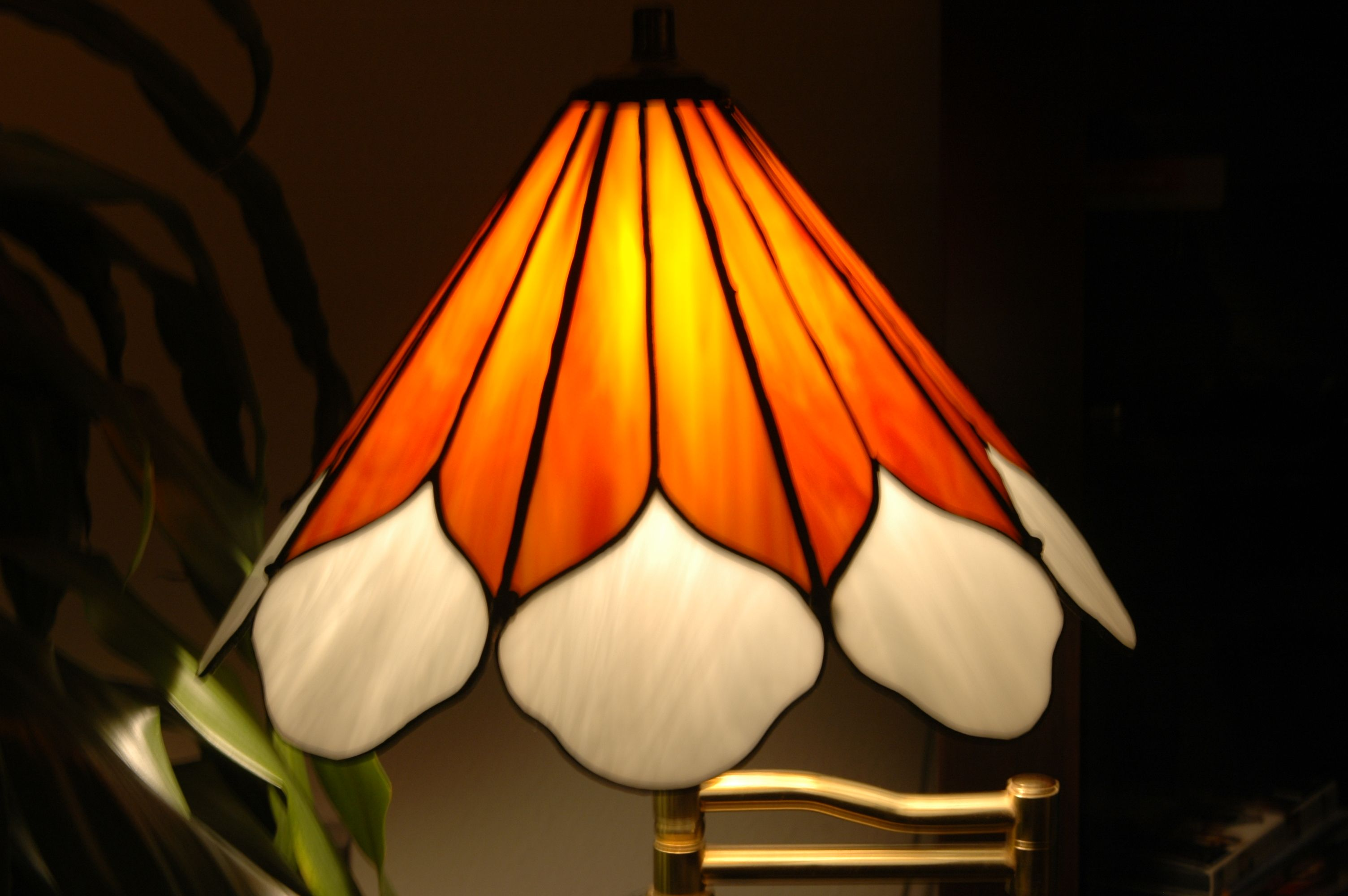 sunflower cone stained glass lamp shade stained glass 5 pintere. Black Bedroom Furniture Sets. Home Design Ideas