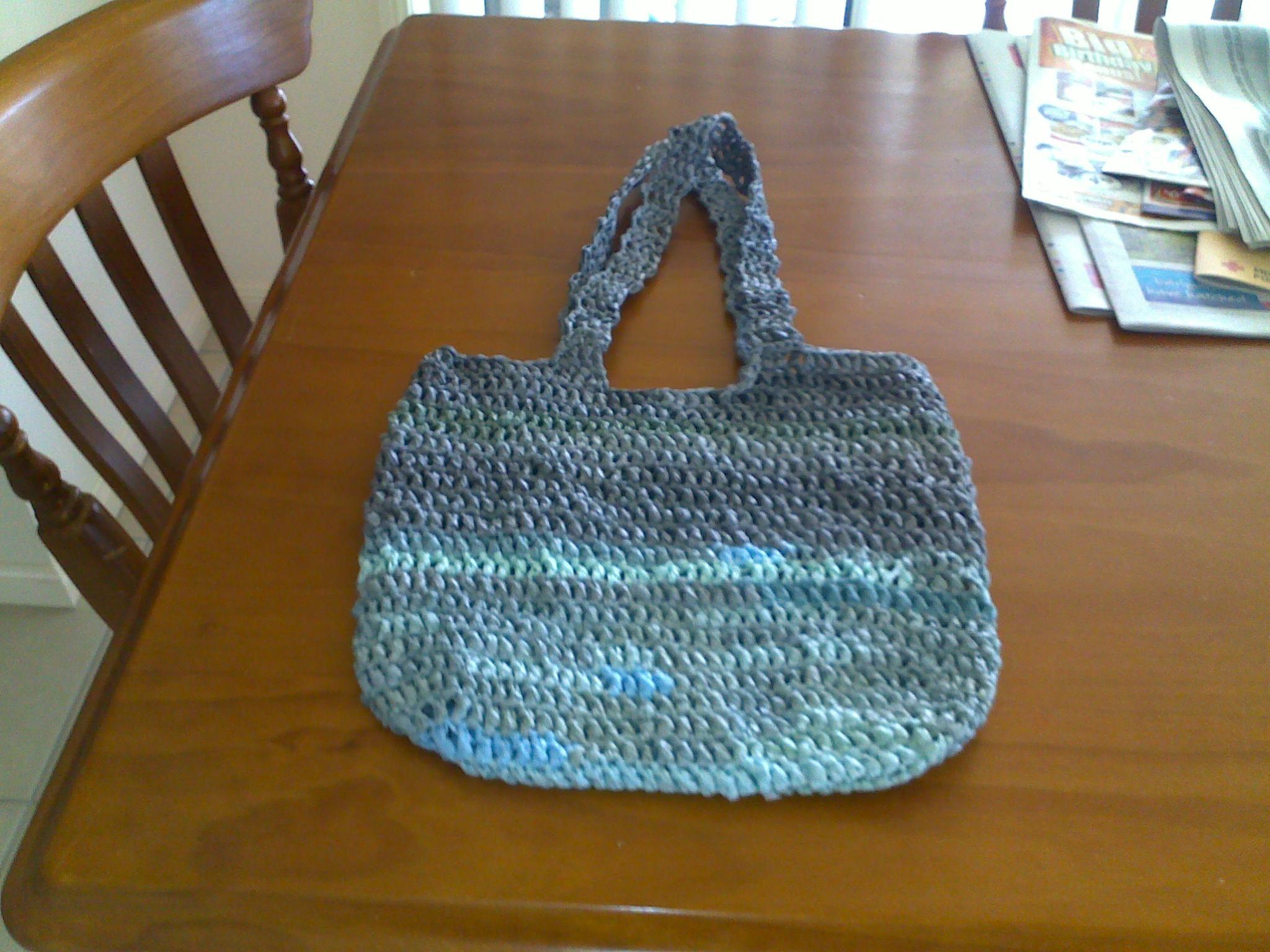 bag crochet from recycled shopping bags crochet patterns Pinterest