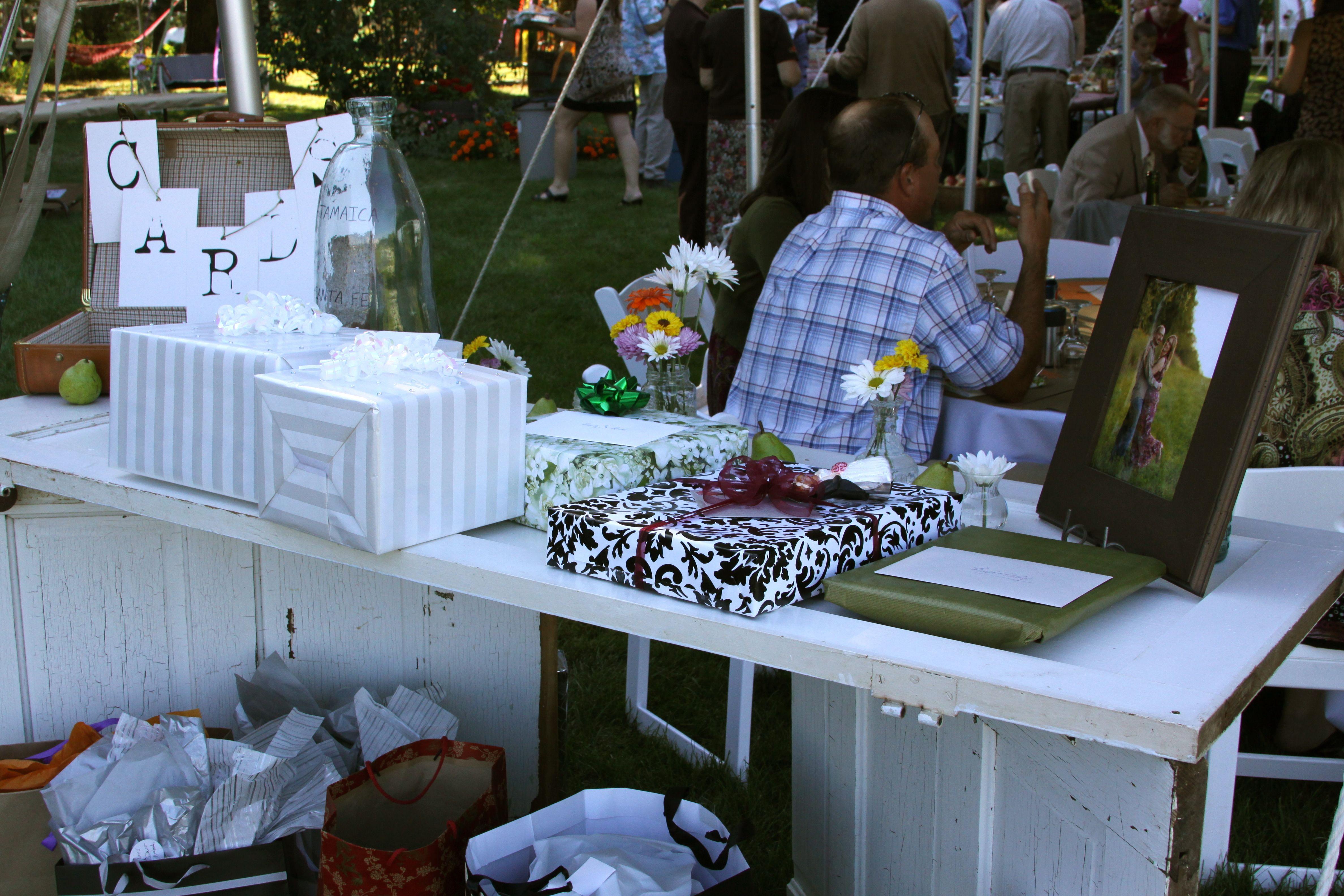 Wedding Present Table Pinterest : gift table Wedding Reality 9.10.11 Pinterest