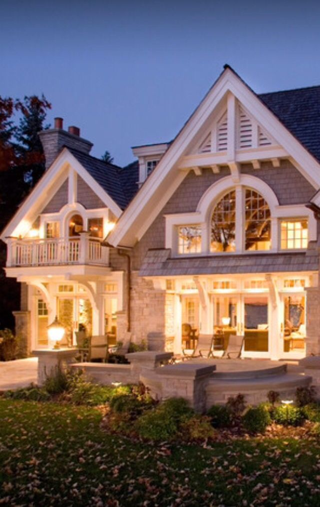 Top 20 luxe spaces seen across pinterest luxury homes for Luxury cottage homes
