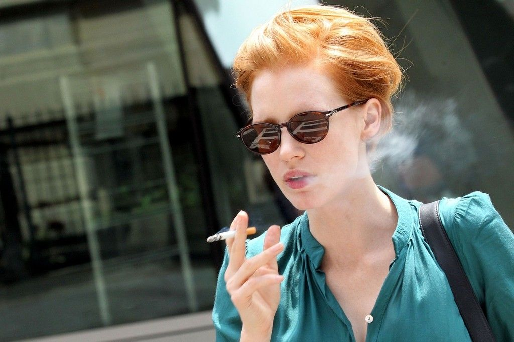 Does Jessica Chastain Smoke Cigarettes on oscar hernandez stop