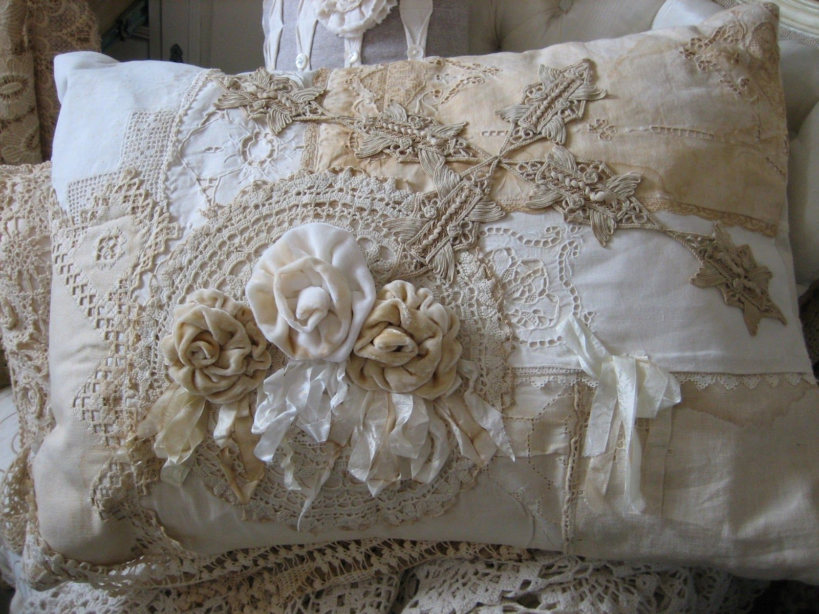 Beautiful Ribbons and Roses Pillow. ~Lace Art~ Pinterest
