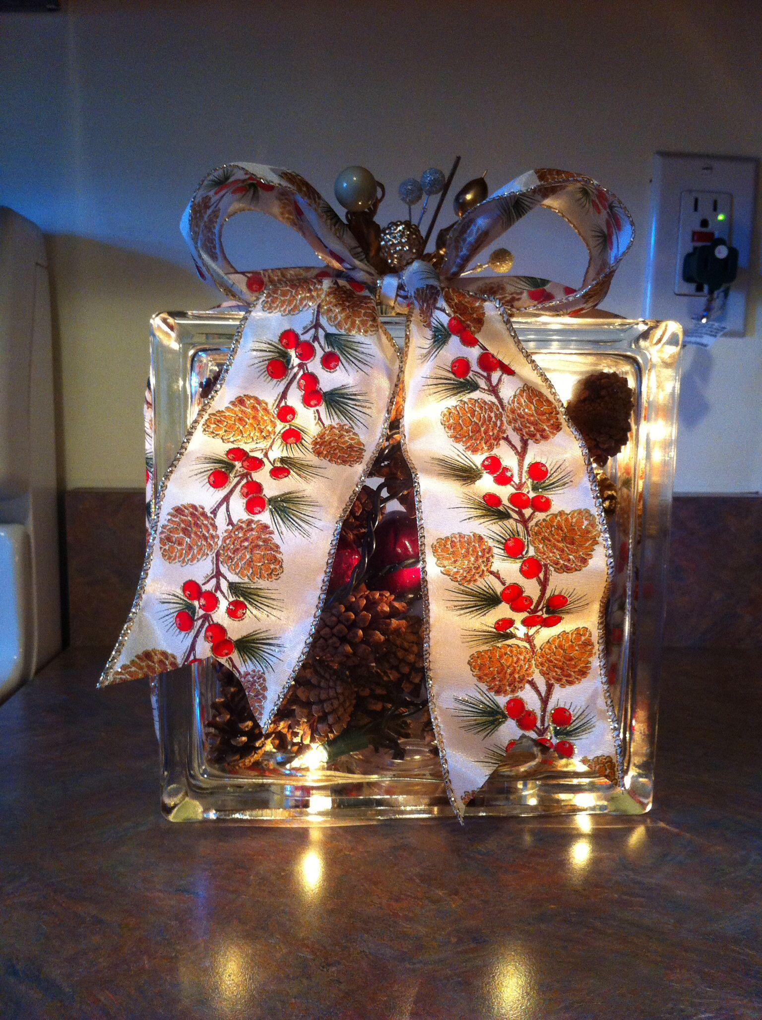 Glass block holiday crafts pinterest for Glass block crafts pictures