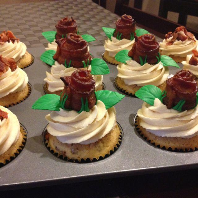 Maple Bacon Cupcakes   cupcakes   Pinterest