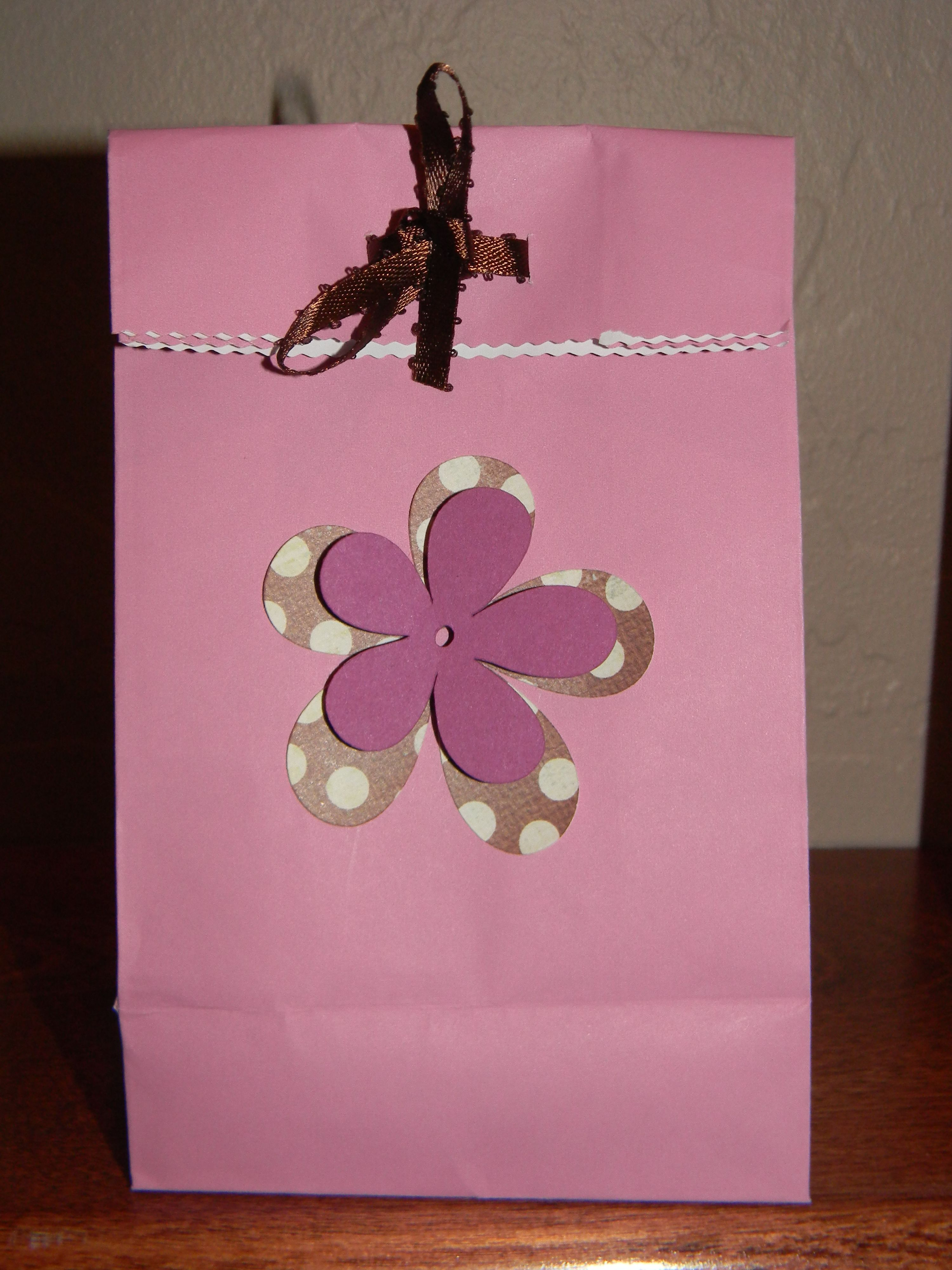 gift bags for guest at baby shower party ideas pinterest