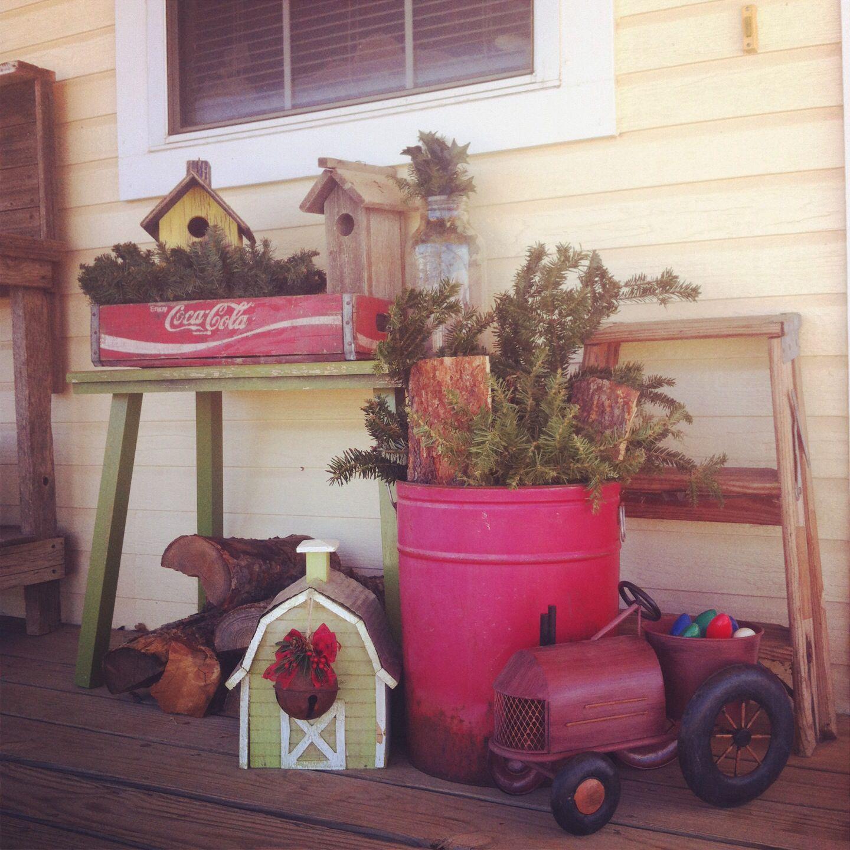 Farmhouse Outdoor Christmas Decorations : Country christmas farmhouse porch decorations