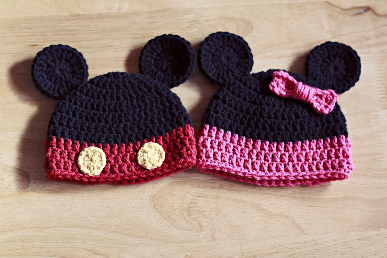 Mickey/Minnie mouse hats knit/crochet/spinning Pinterest