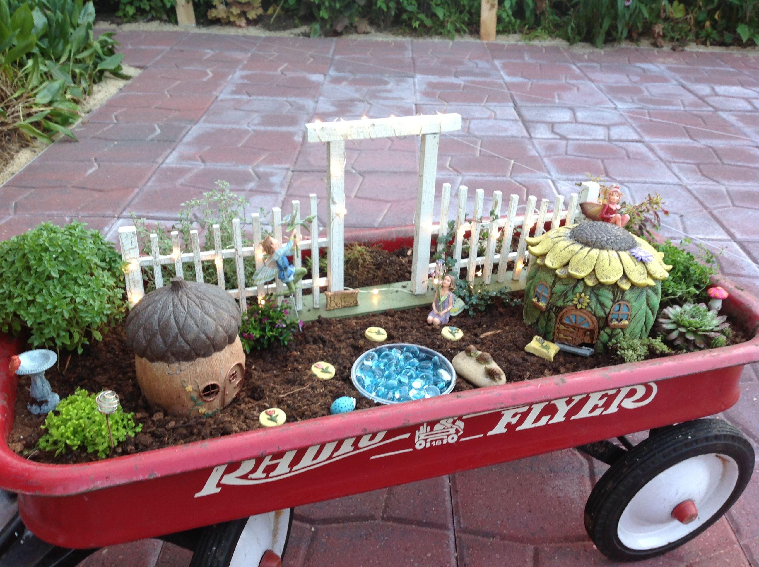 great container idea fairy gardens pinterest. Black Bedroom Furniture Sets. Home Design Ideas