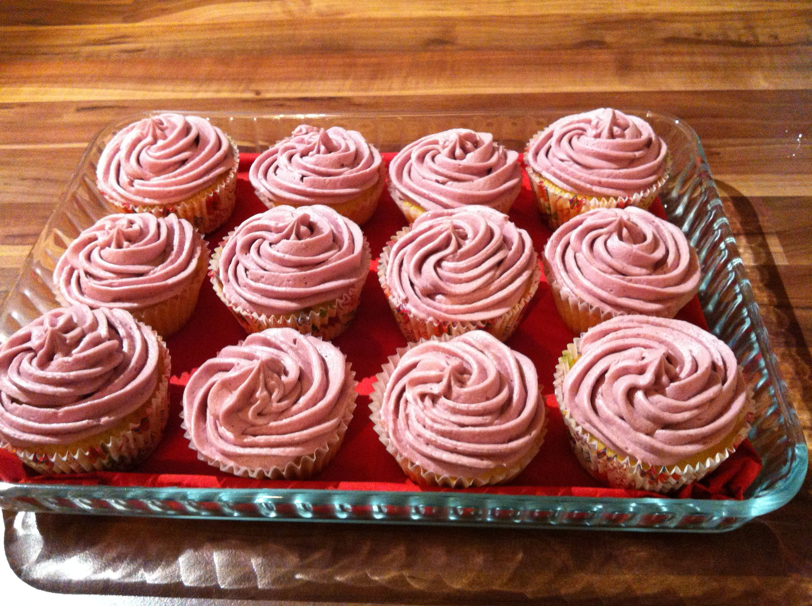 Cupcakes with red wine frosting | Decadently Delish : part IV Delicac ...