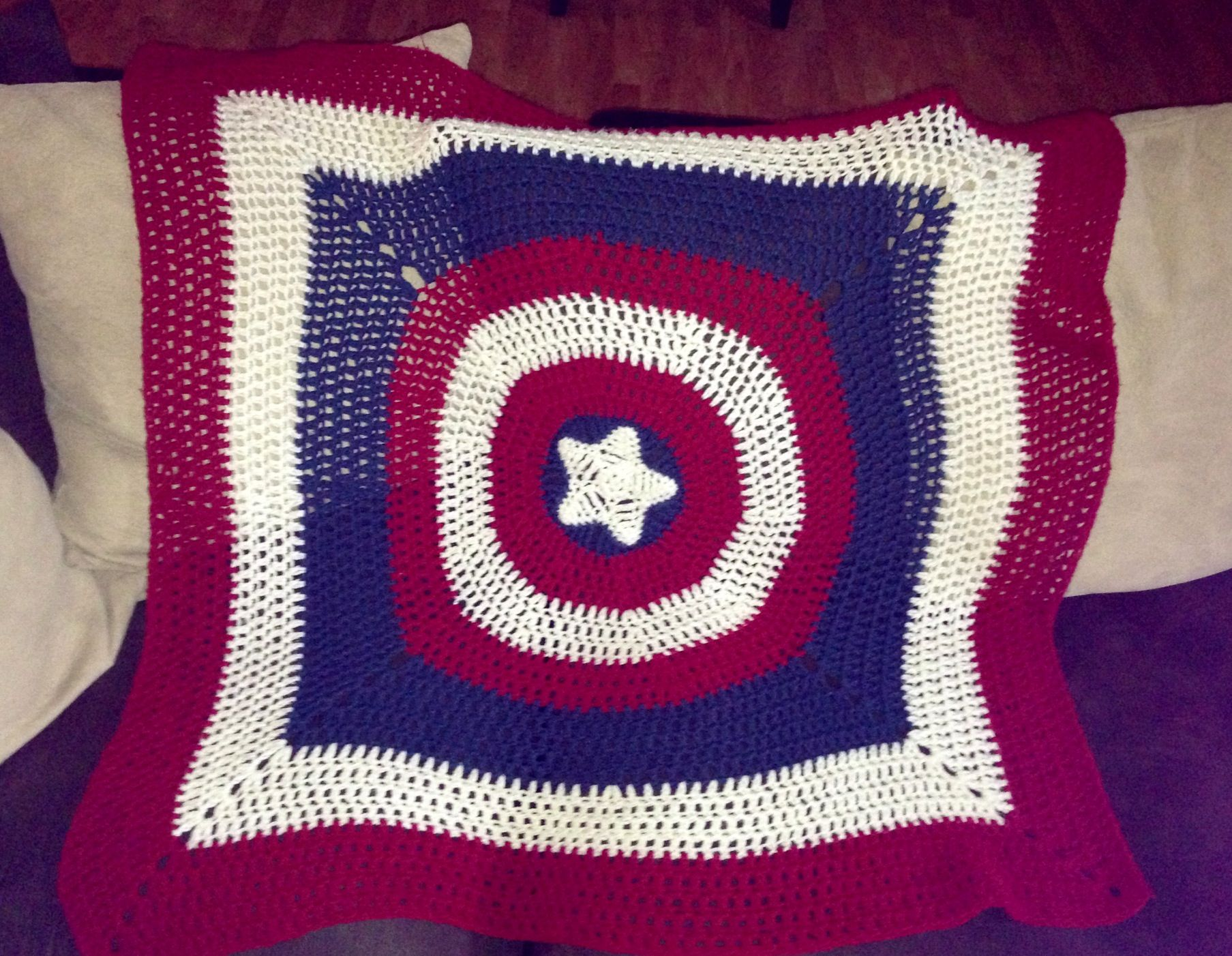 Captain America Knitting Pattern : Captain America crochet blanket knitting Pinterest