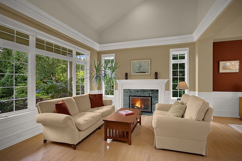 Crown molding on vaulted ceiling. | Moulding Ideas for any palette ...