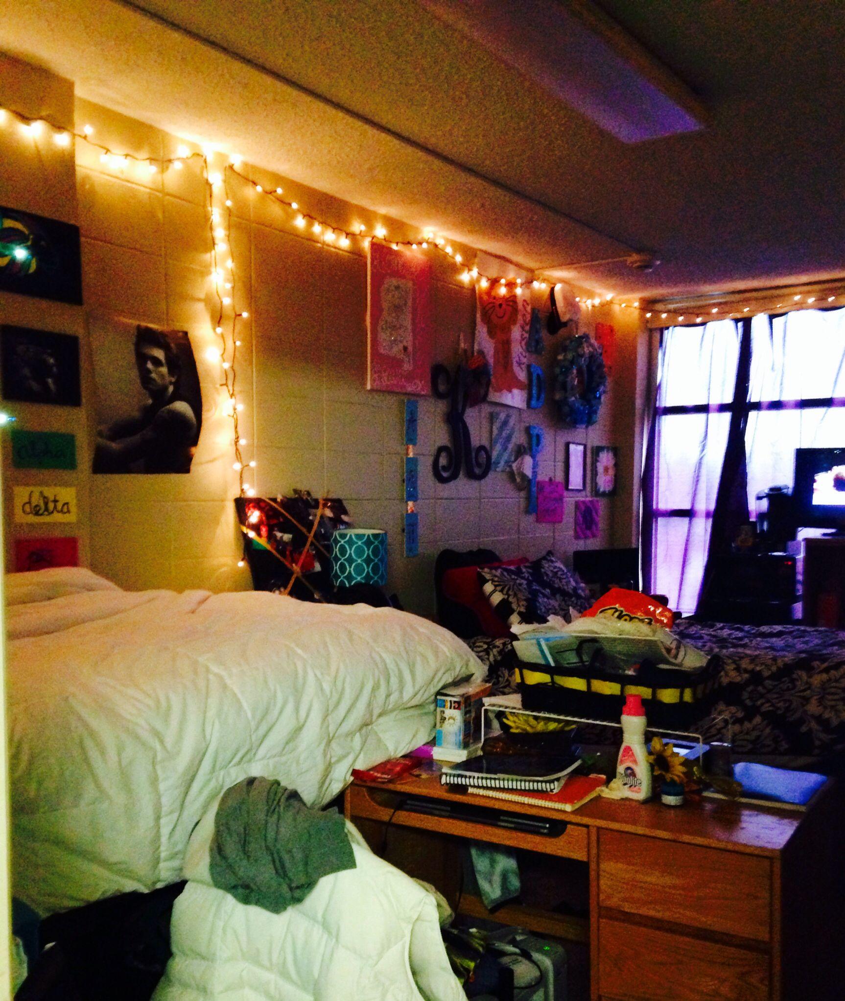 Cozy Dorm room  so college  Pinterest ~ 120619_Dorm Room Ideas Cozy
