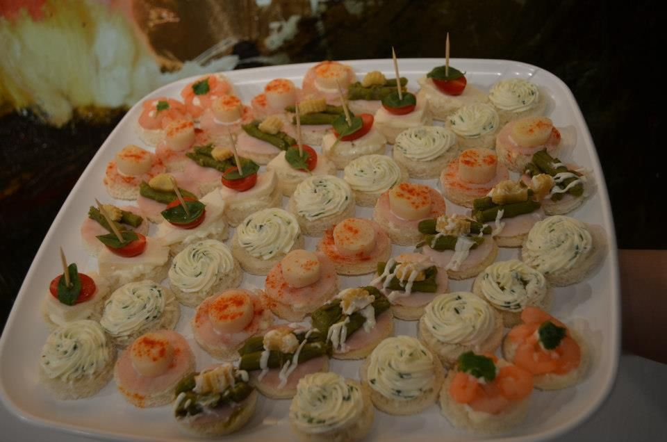 Canapes bridal shower ideas pinterest for Canape ideas for wedding