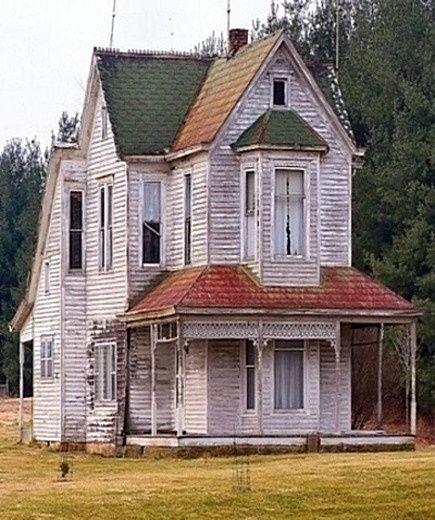 Old white farm house old houses buildings pinterest for Vintage farmhouses
