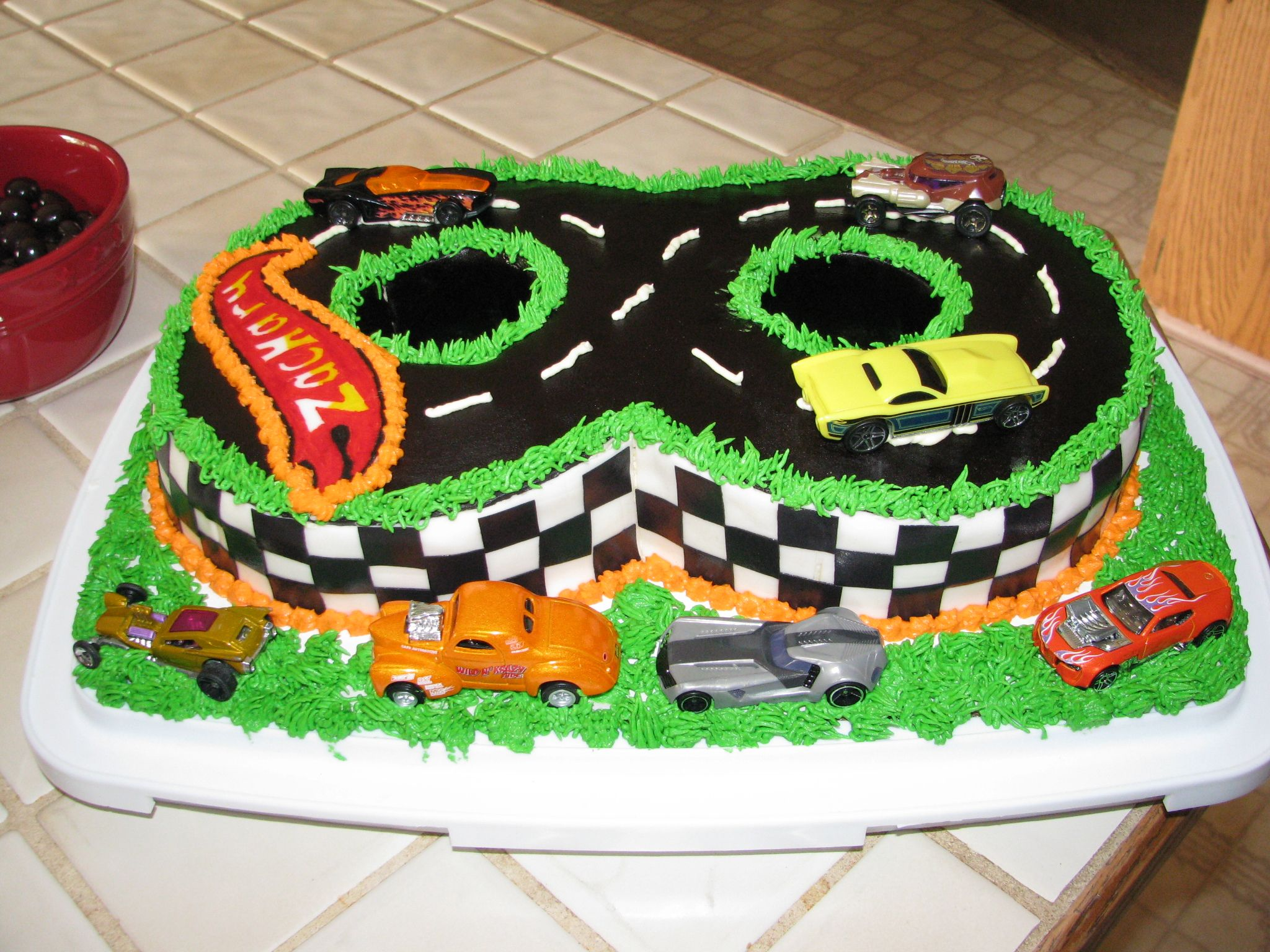 Images Of Hot Wheels Cake : Hot Wheels cake Cam Pinterest
