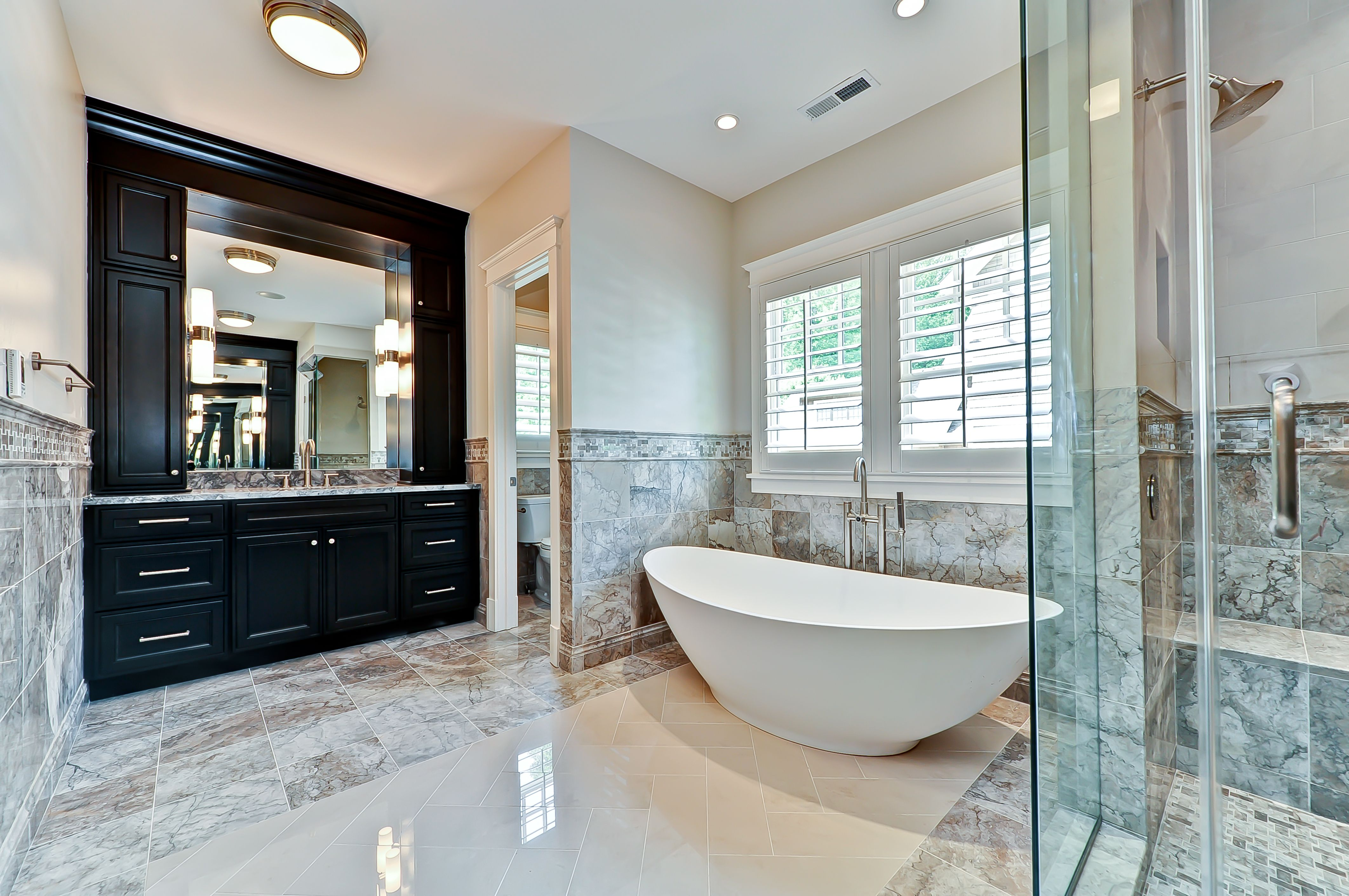 Marble master bath and free standing tub bathrooms for Marble master bathroom