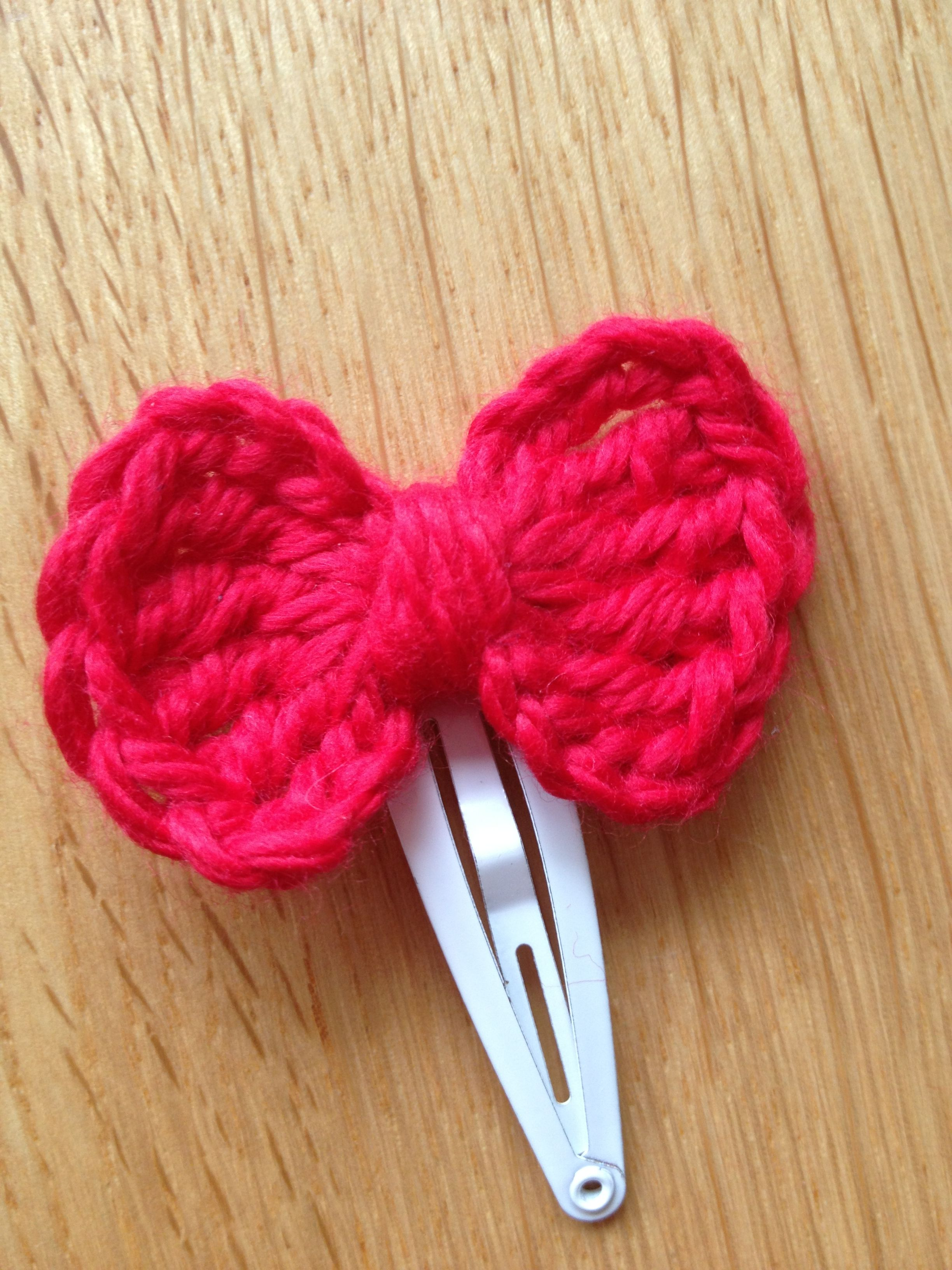 Crochet Hair Bows : Crochet hair bow Crochet ideas Pinterest
