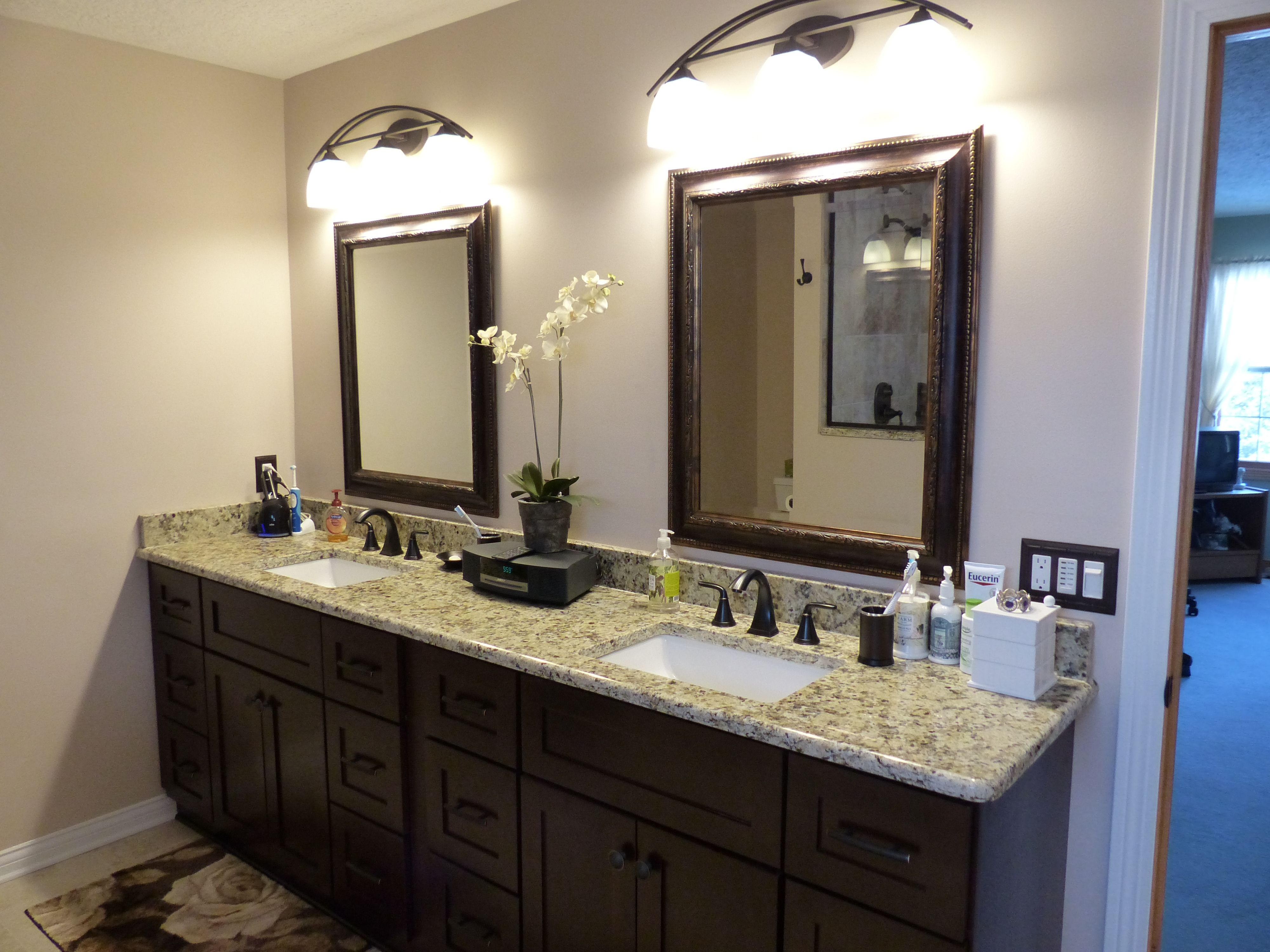 Small bathroom makeovers pictures