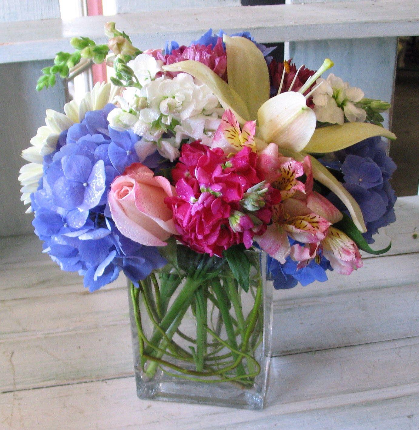 Pink and blue centerpiece wedding decors pinterest for Pink and blue flower arrangements