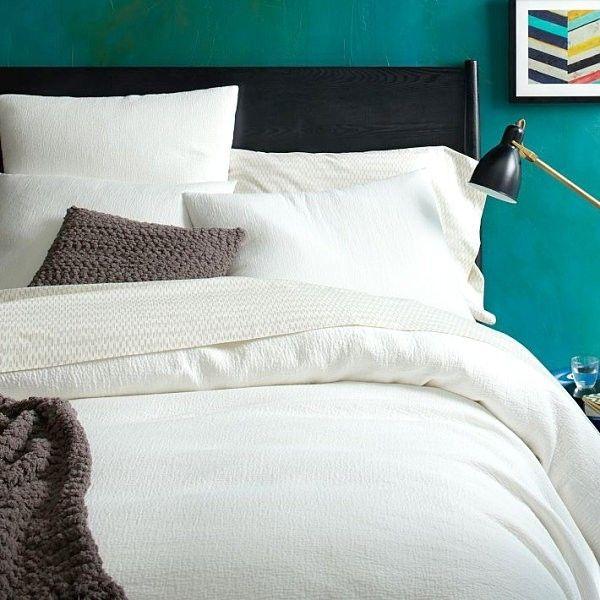 Xanh mòng két là sự kết hợp giữa xanh lá và xanh nước biển tạo nên một gam màu rất trẻ trung và tươi tắn.