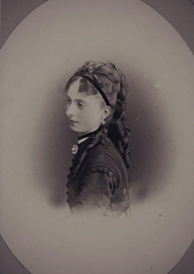 Yourievskya Ekaterina Mikhailovna Dolgorukya. - Página 8 189a3f32ca3f8a0af94ad053ff812914