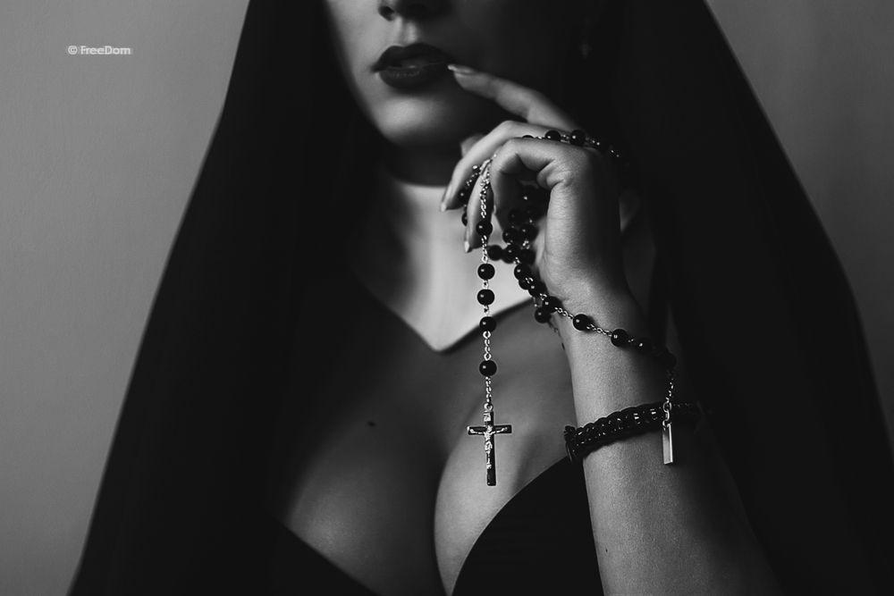 Художественное Порно Монашки