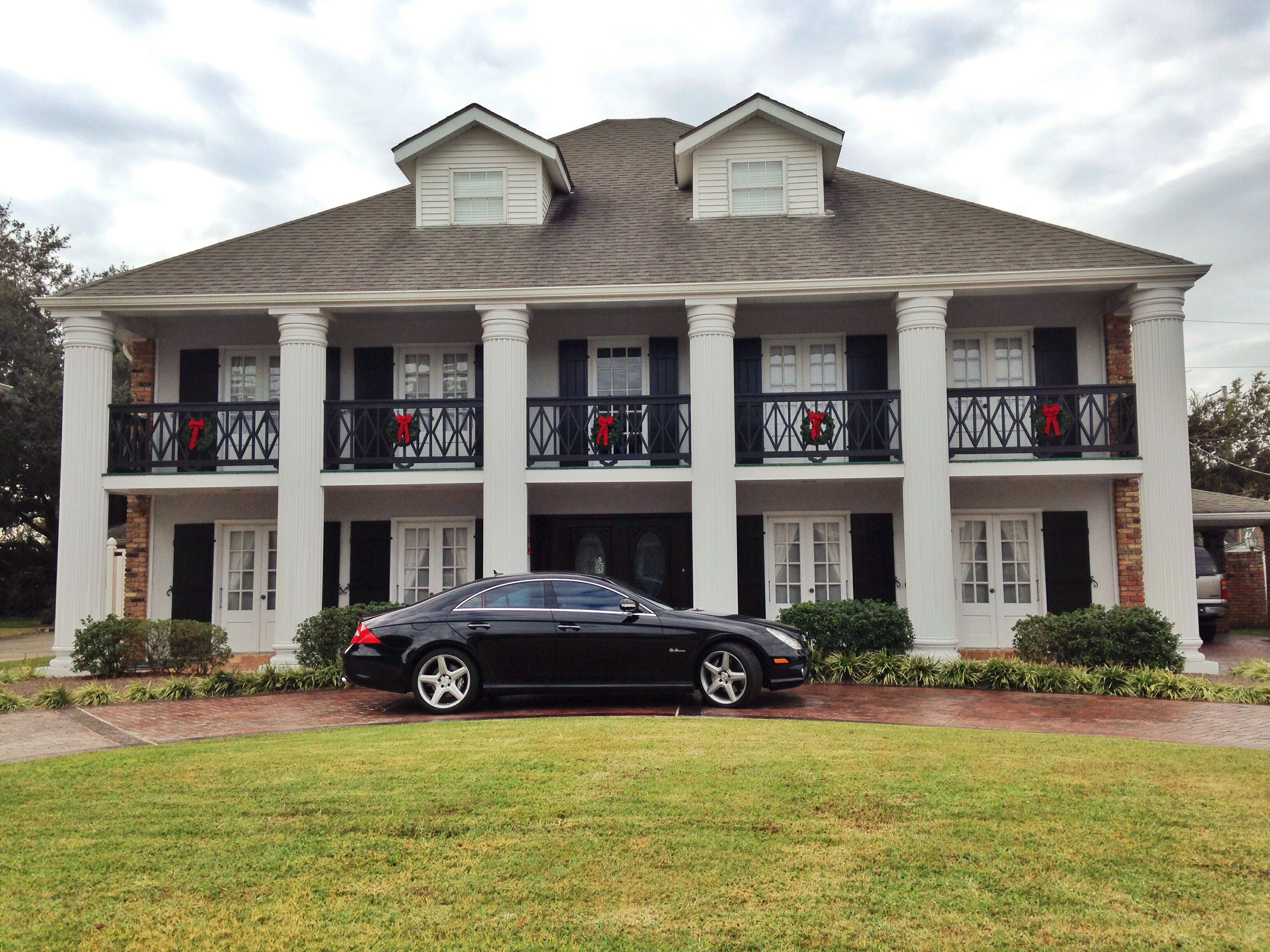 New orleans southern plantation home plantations pinterest for Southern plantation house