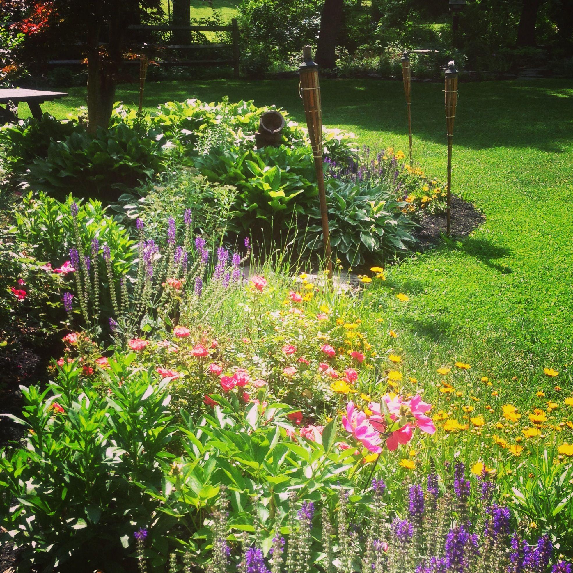 Pinterest garden fence ideas photograph cottage gardens for Cottage garden fence ideas