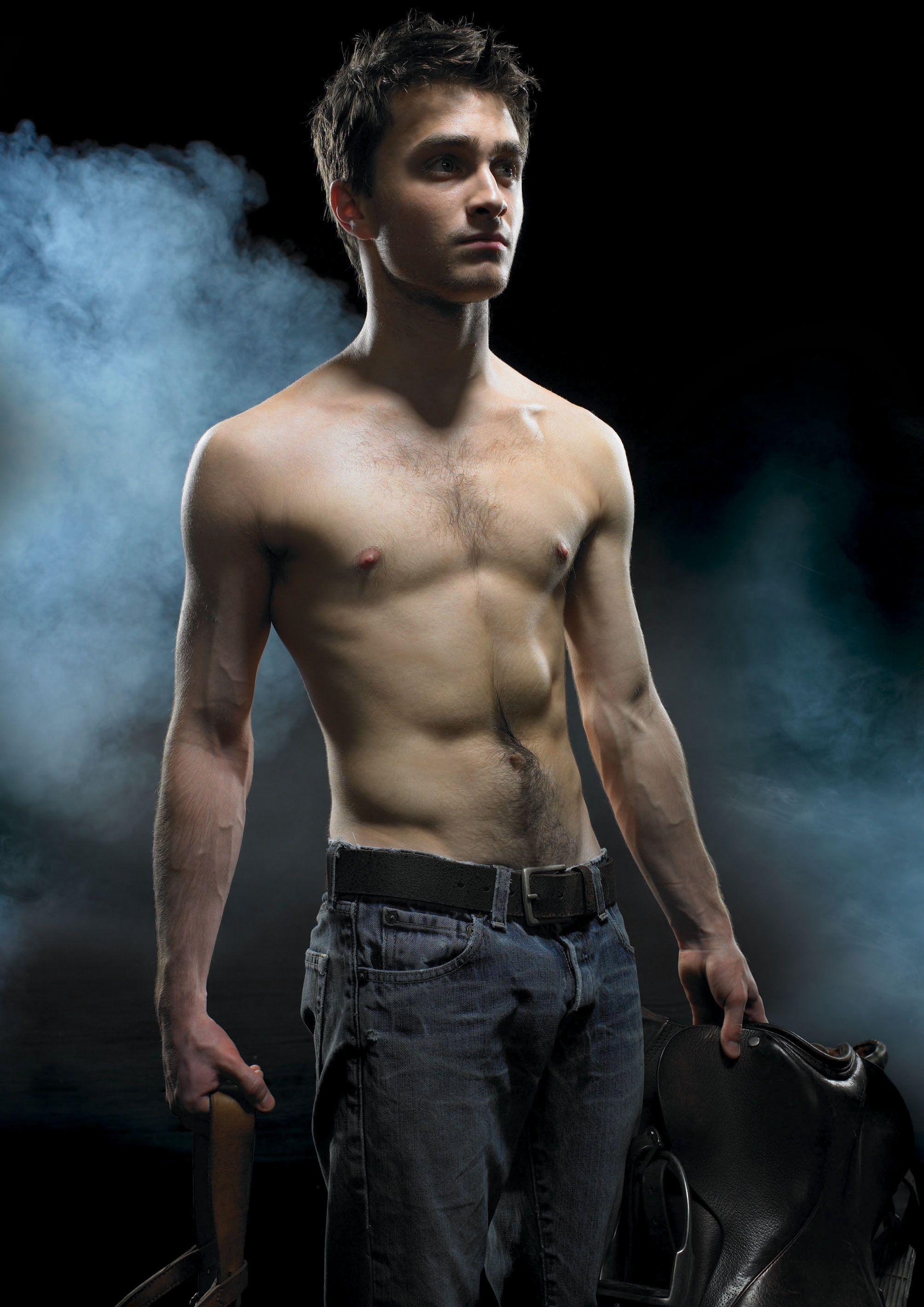 Daniel Radcliffe Shirtless   SHIRTLESS ACTORS   Pinterest ...