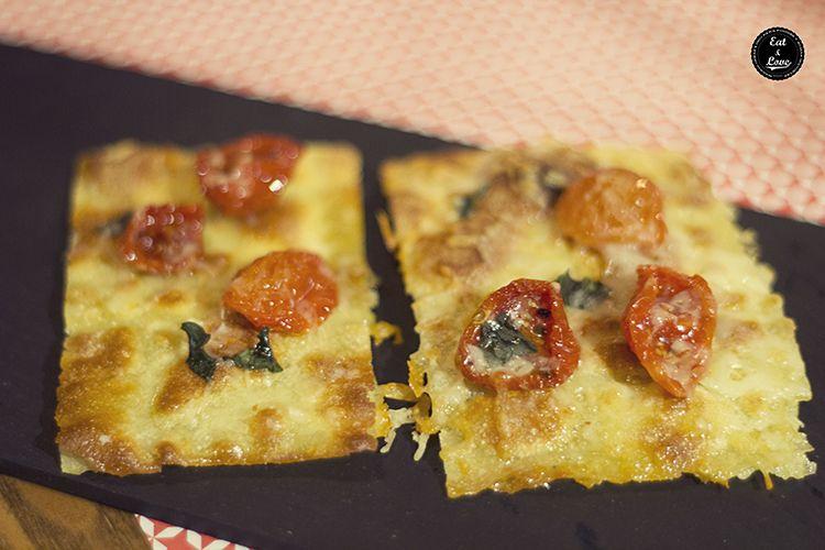 Pizza con tomate - El Bistro de La Central