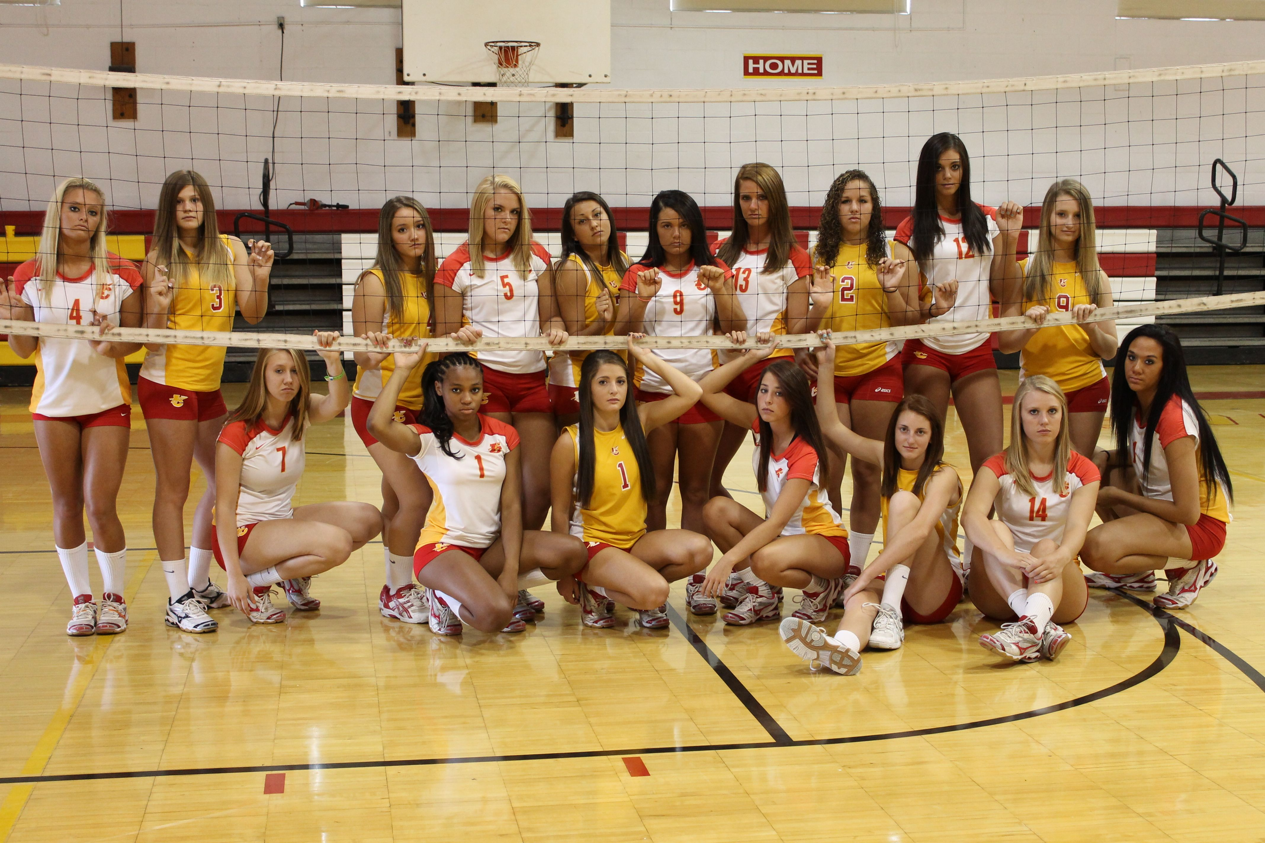 Volleyball team picture fun photo ideas pinterest for Team picture ideas