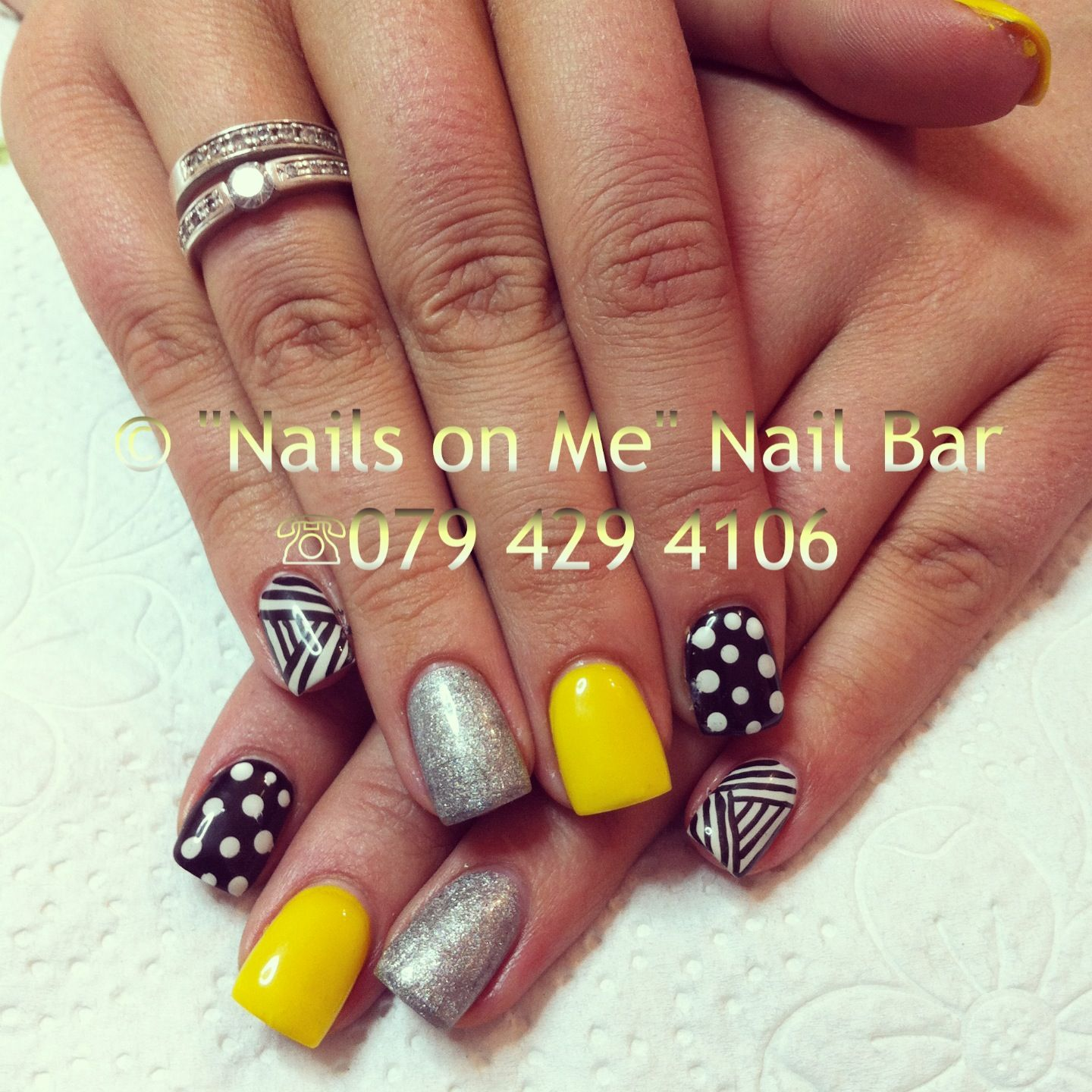 Black n Yellow gel nails | Nails | Pinterest