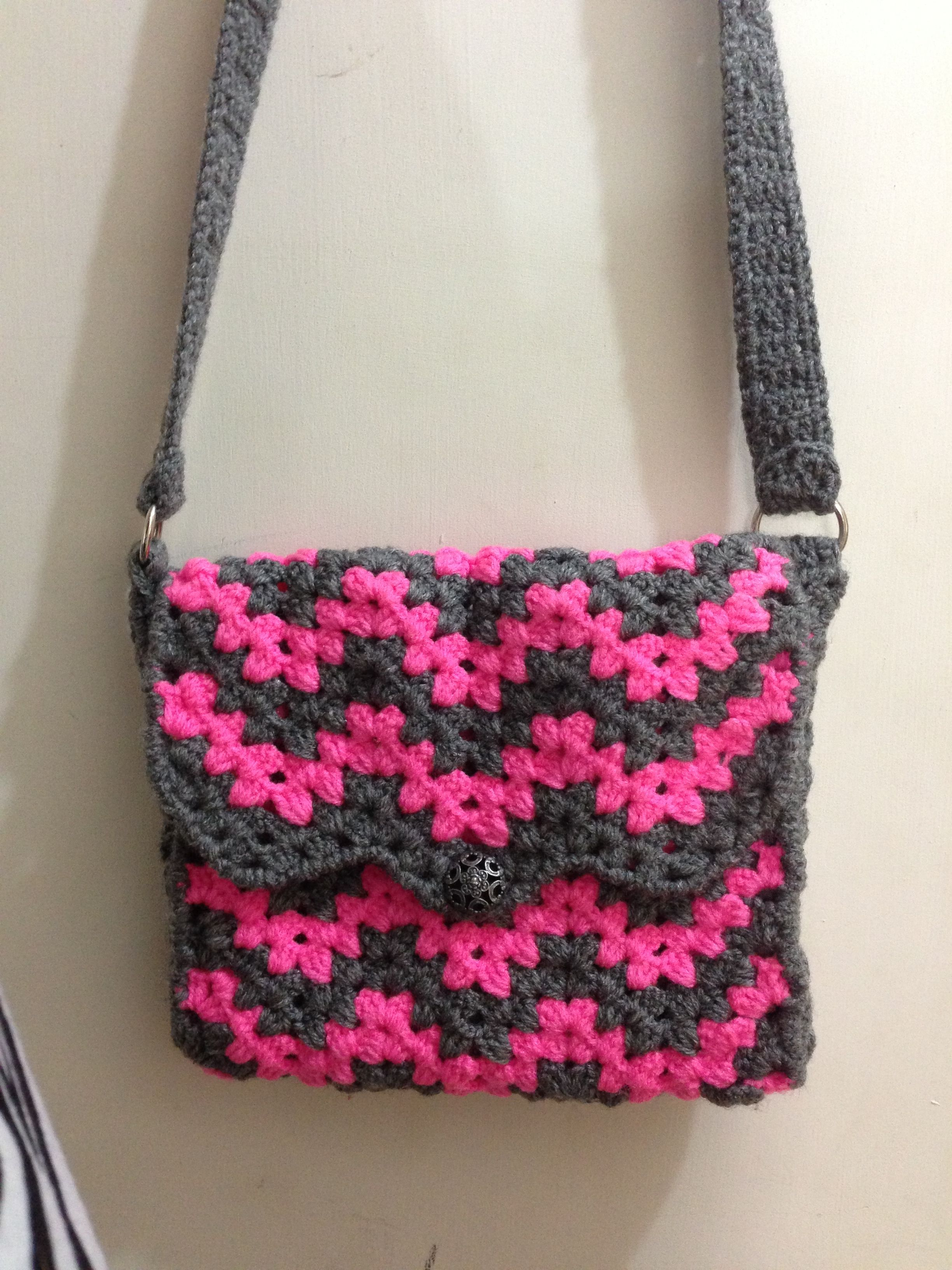 Free Crochet Chevron Purse Pattern : Chevron crochet purse Crochet - Turn and Pose, Dahling ...