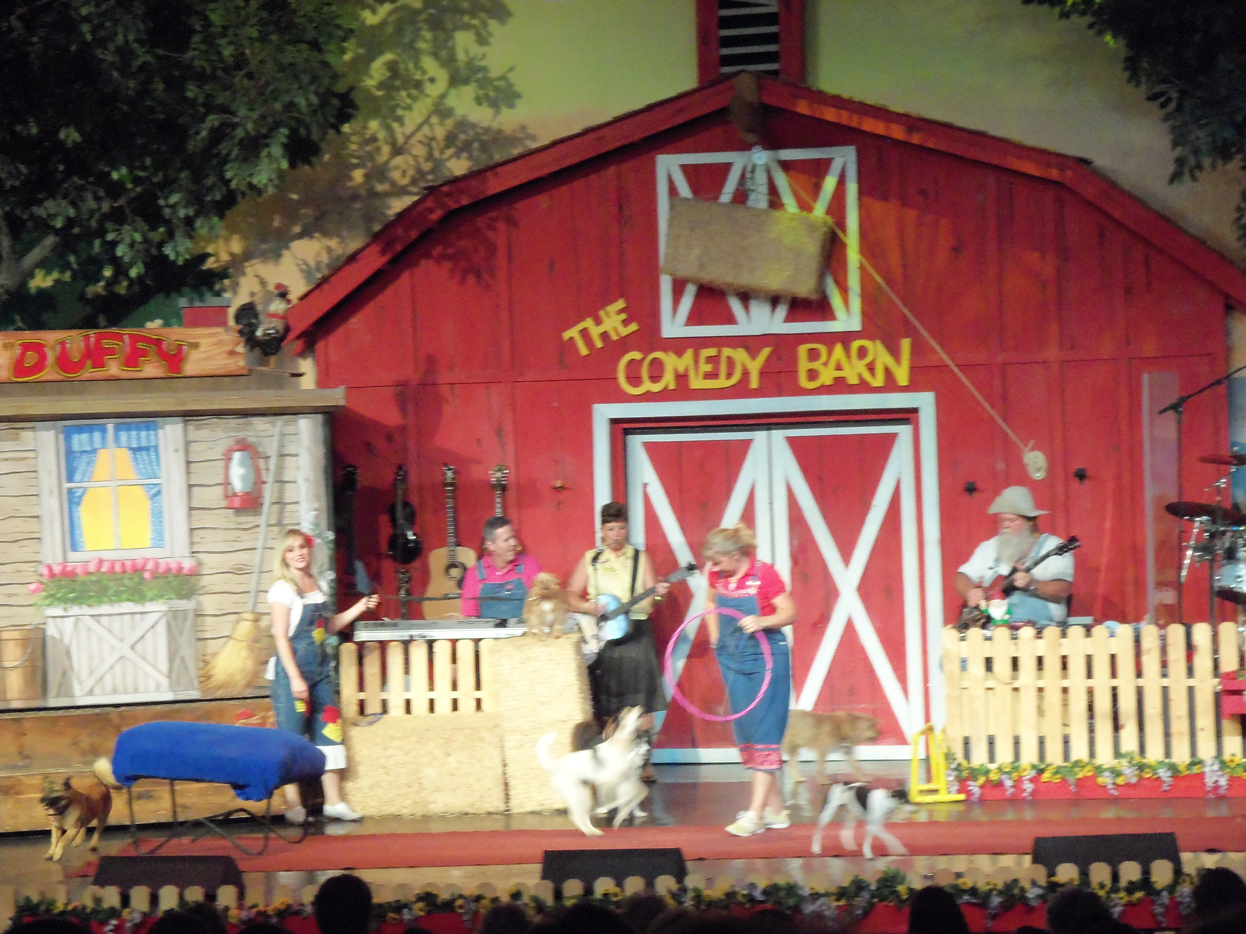 The comedy barn pigeon forge tn traveling i did go here