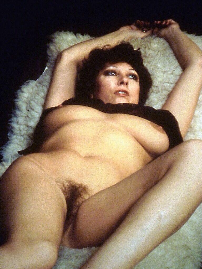 green nude Pamela