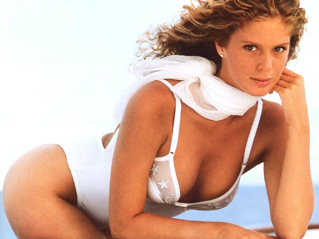Sports Illustrateds 50 Greatest Swimsuit Models: 14
