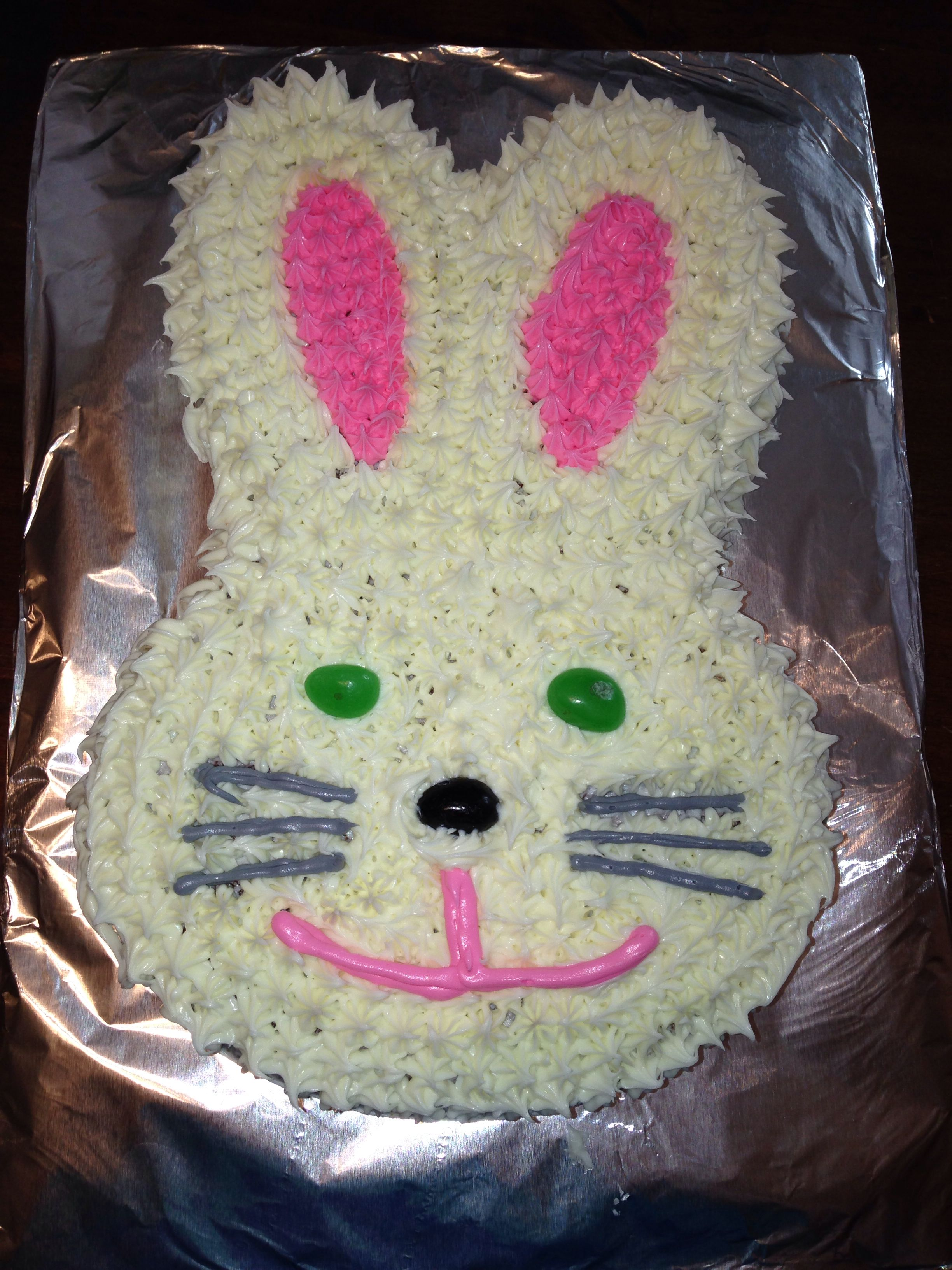 Easter Cake Decorations Pinterest : Bunny cake for Easter Cake Decorating Pinterest